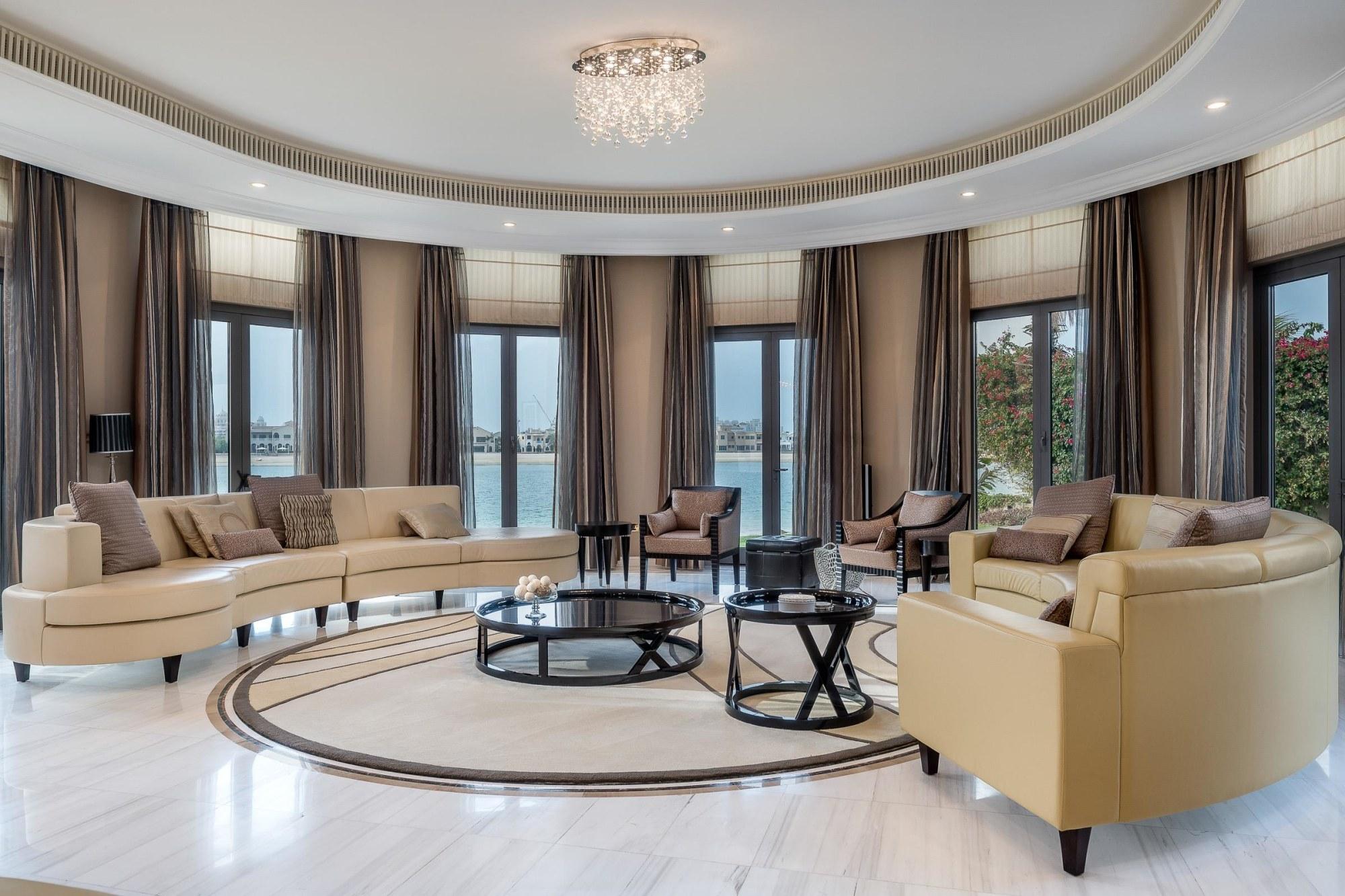 Five Bedroom Villa Facing Riviera