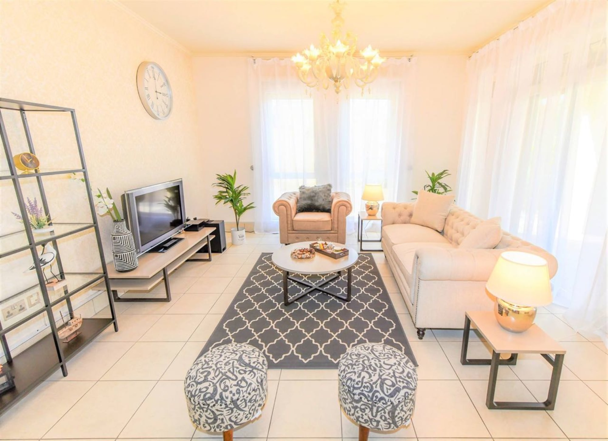 Luxuriously Furnished with Private Garden