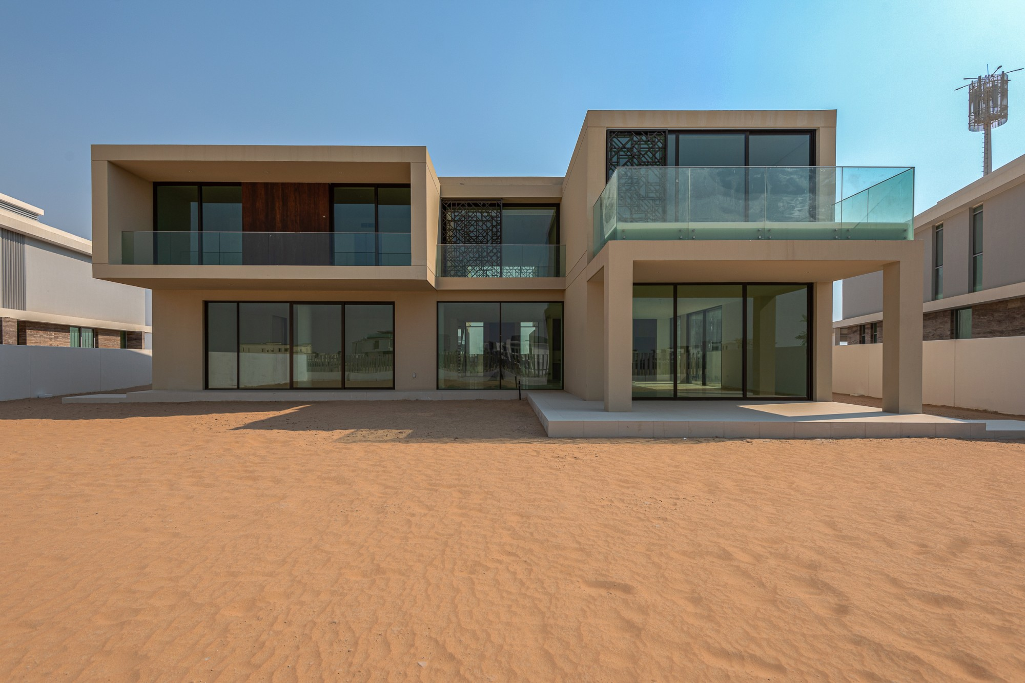 Beautiful Modern Villa|Stunning Golf Course Views