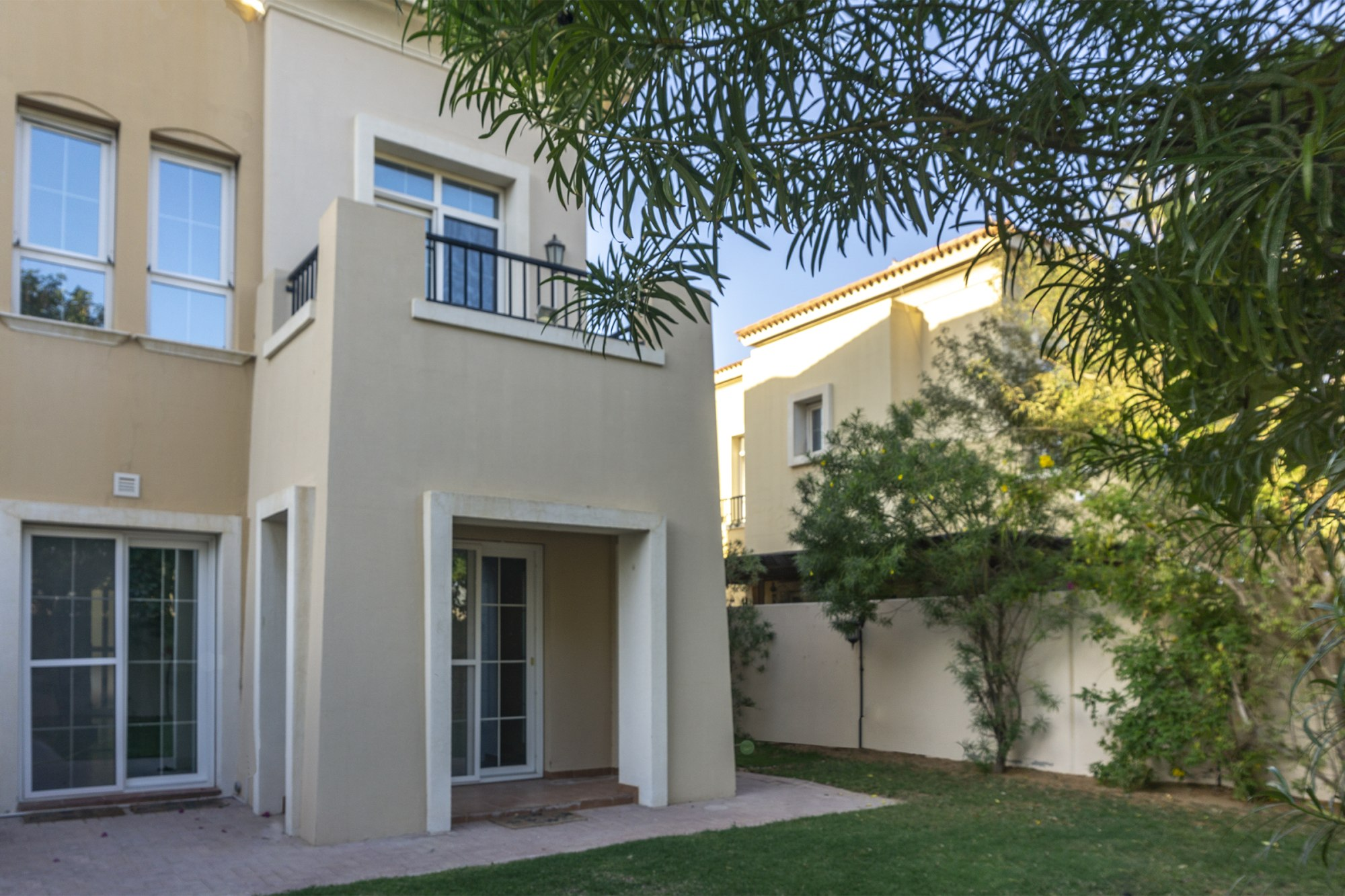 SINGLE ROW   2 BED + S   TYPE 4E   CLOSE TO POOL