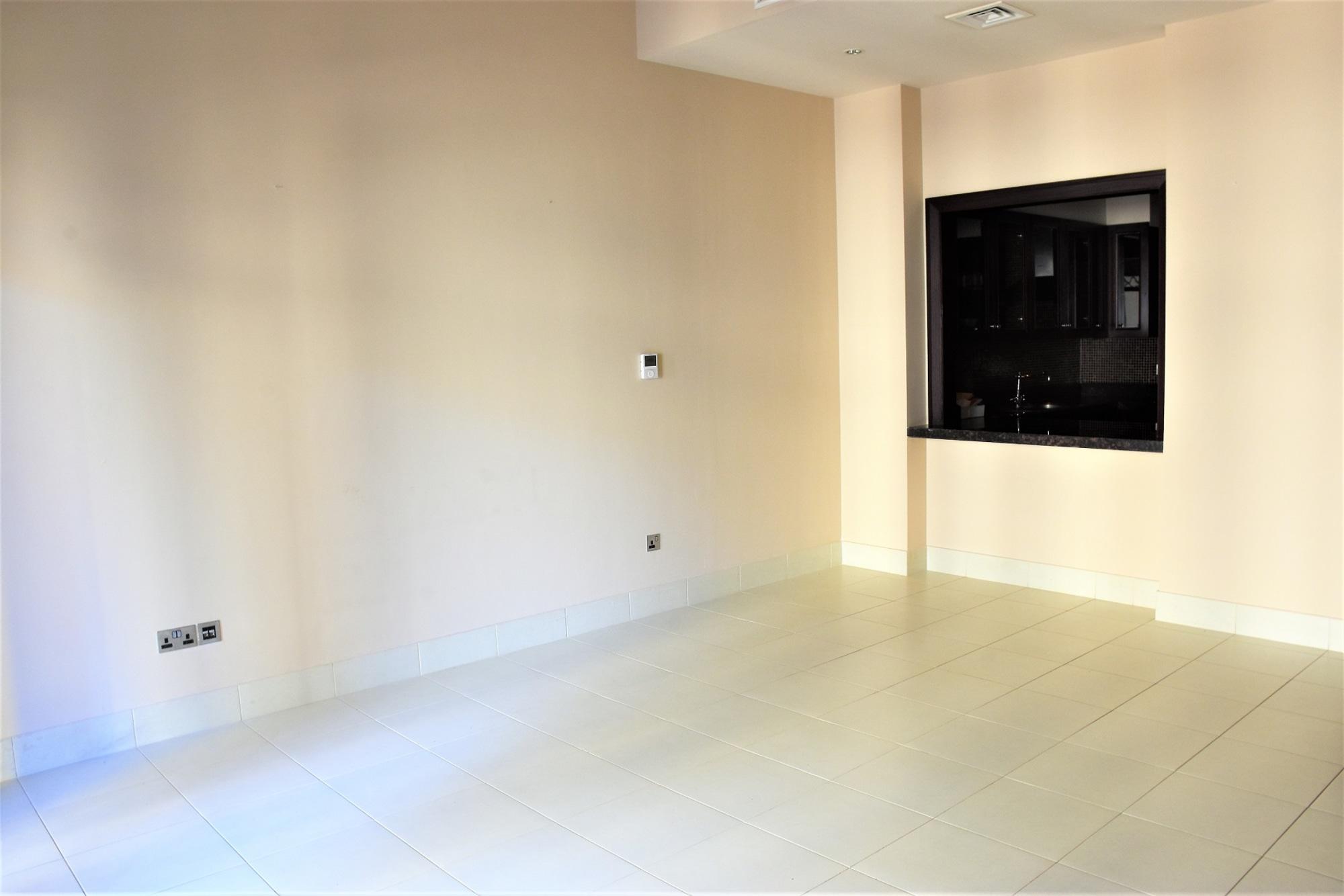 Mid Floor 1 Bedroom | Community View | Easy Access