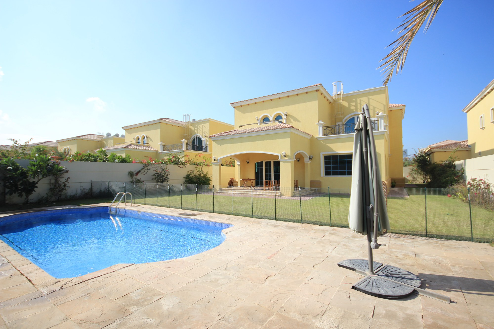 Immaculate 4 Bedrooms Legacy | Artificial Grass