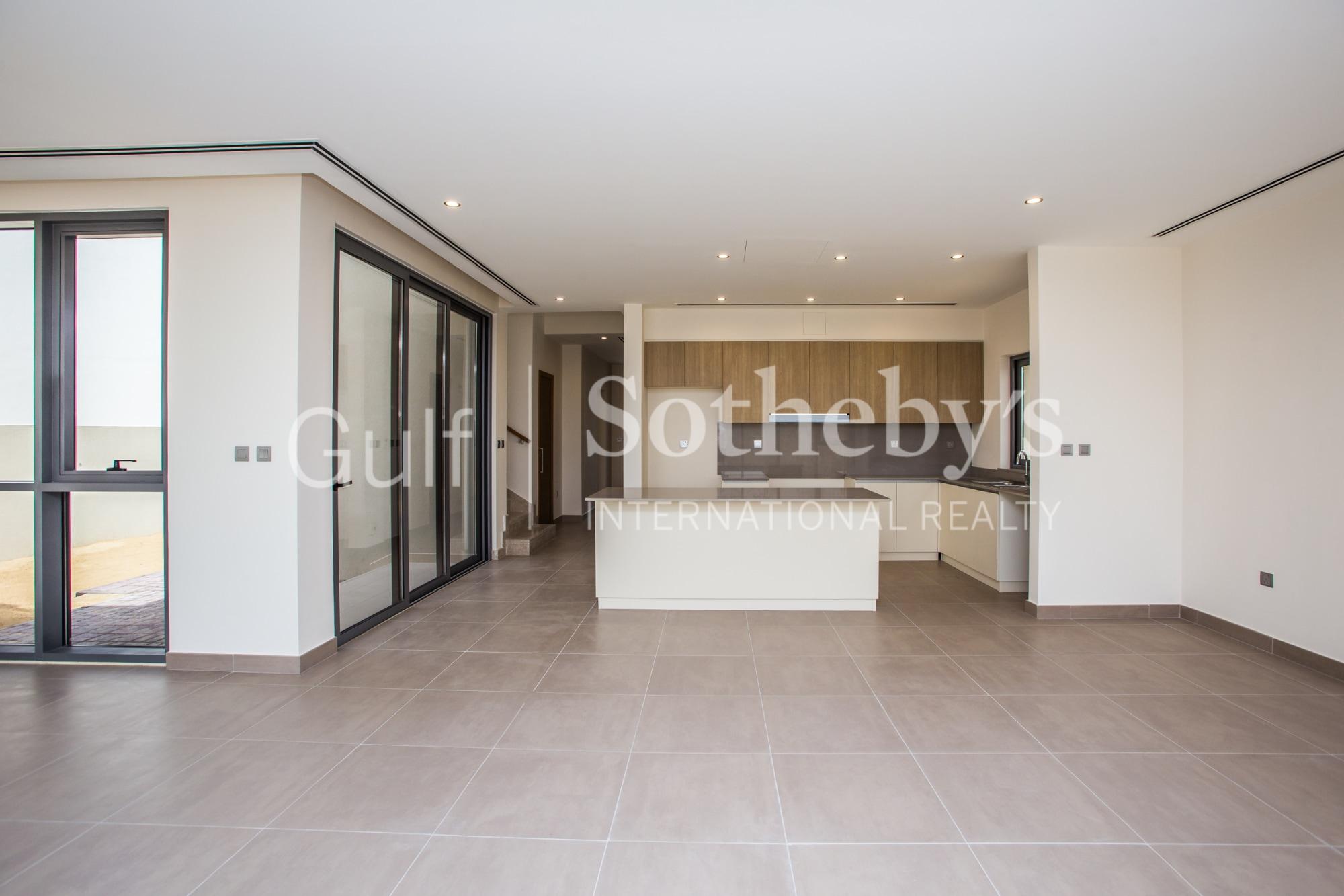 SIngle Row | Detached Family Villa | HO Q4