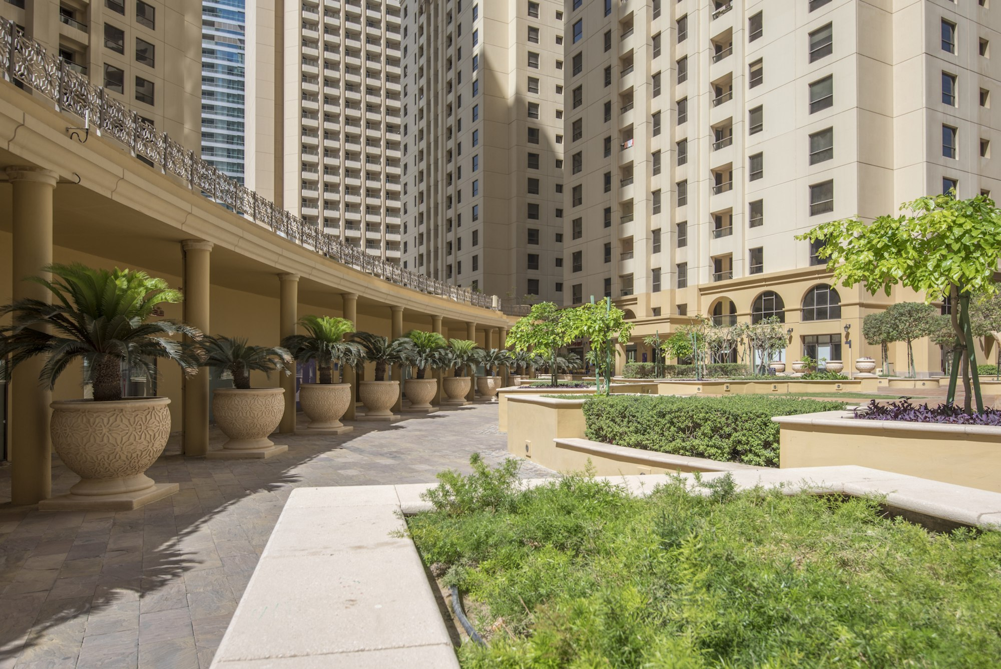 Fully Furnished   High Floor 2 Bedroom   Sea view