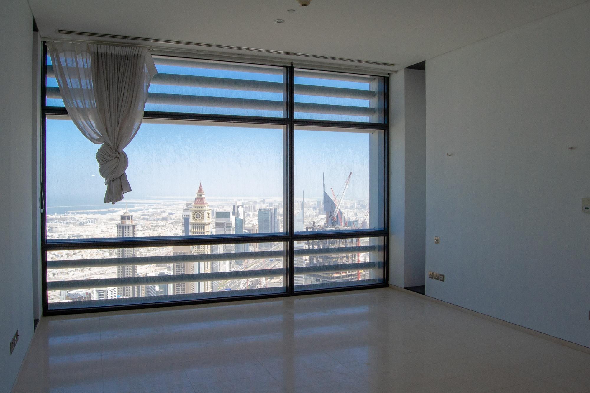 High-rise   Prestigious 5 bed triplex apt   DIFC