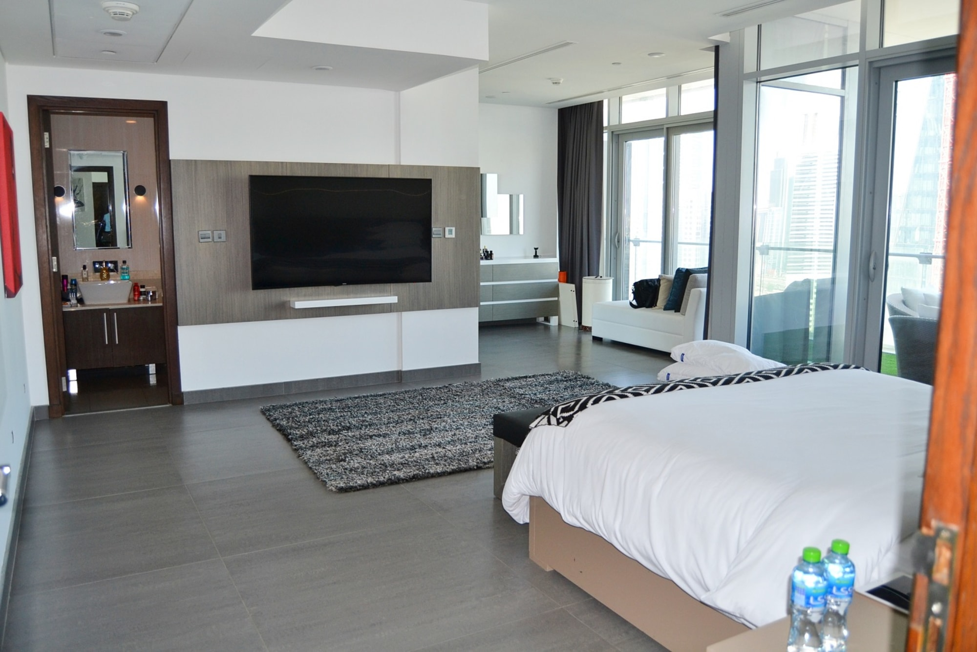 Fully-Furnished 2 Bedroom | Stunning view | DIFC