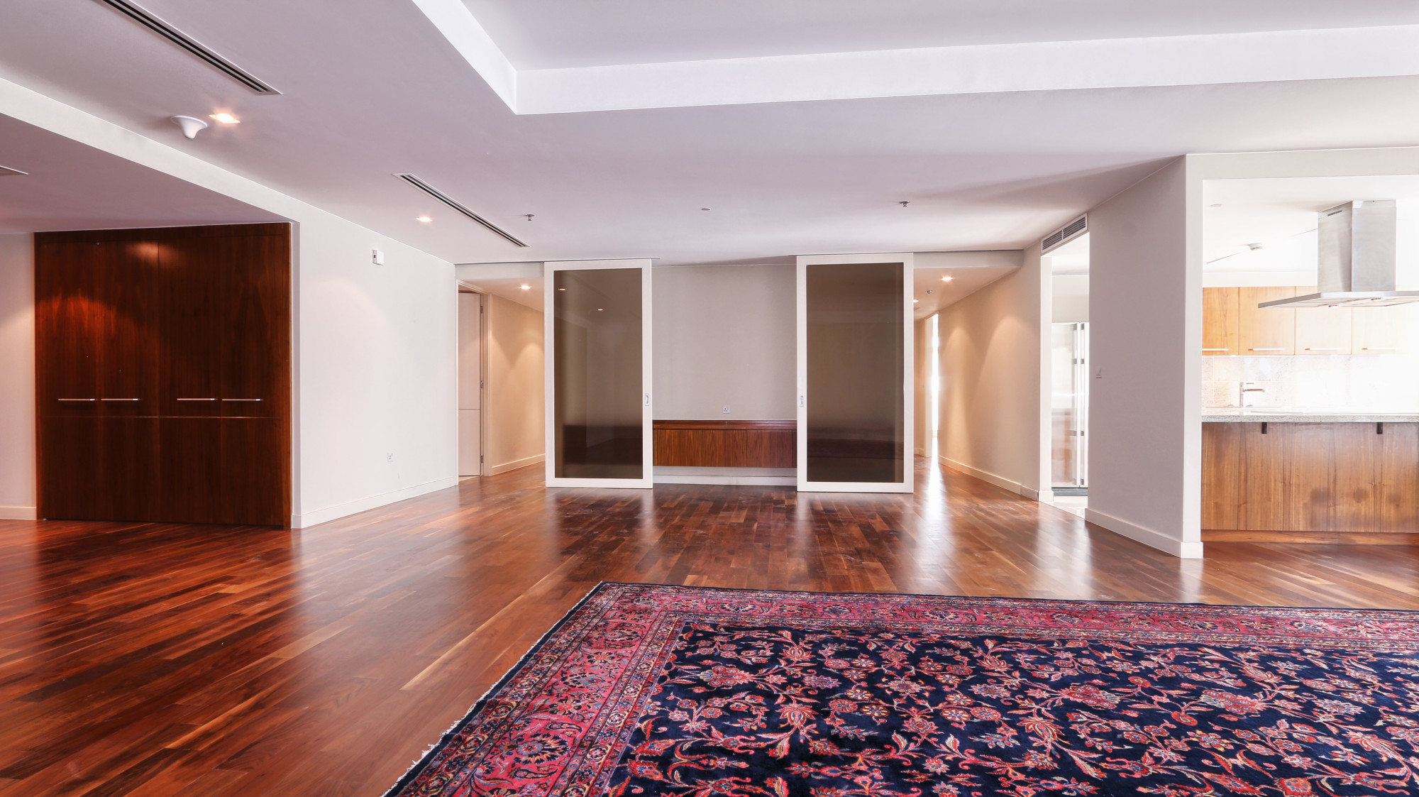 Mid Floor | Spacious 3BR | Wooden Floor