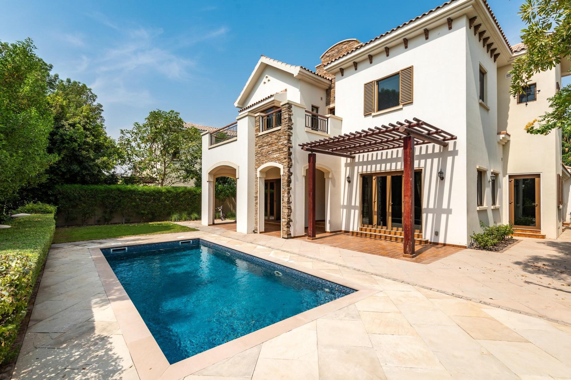 Golf Course facing 4 Bed Castellon Villa