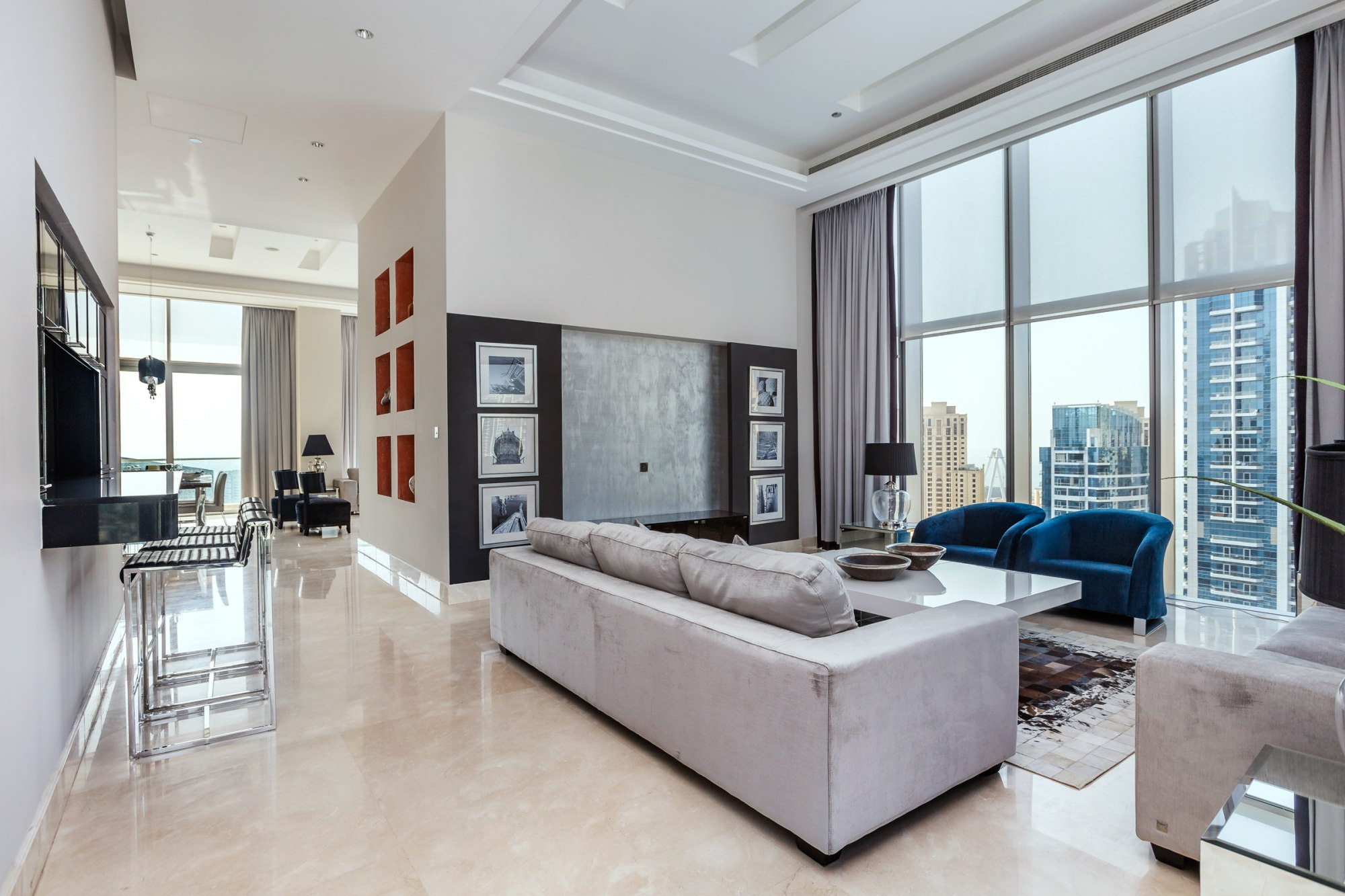 Stunning | Upgraded Penthouse | Outdoor terrace