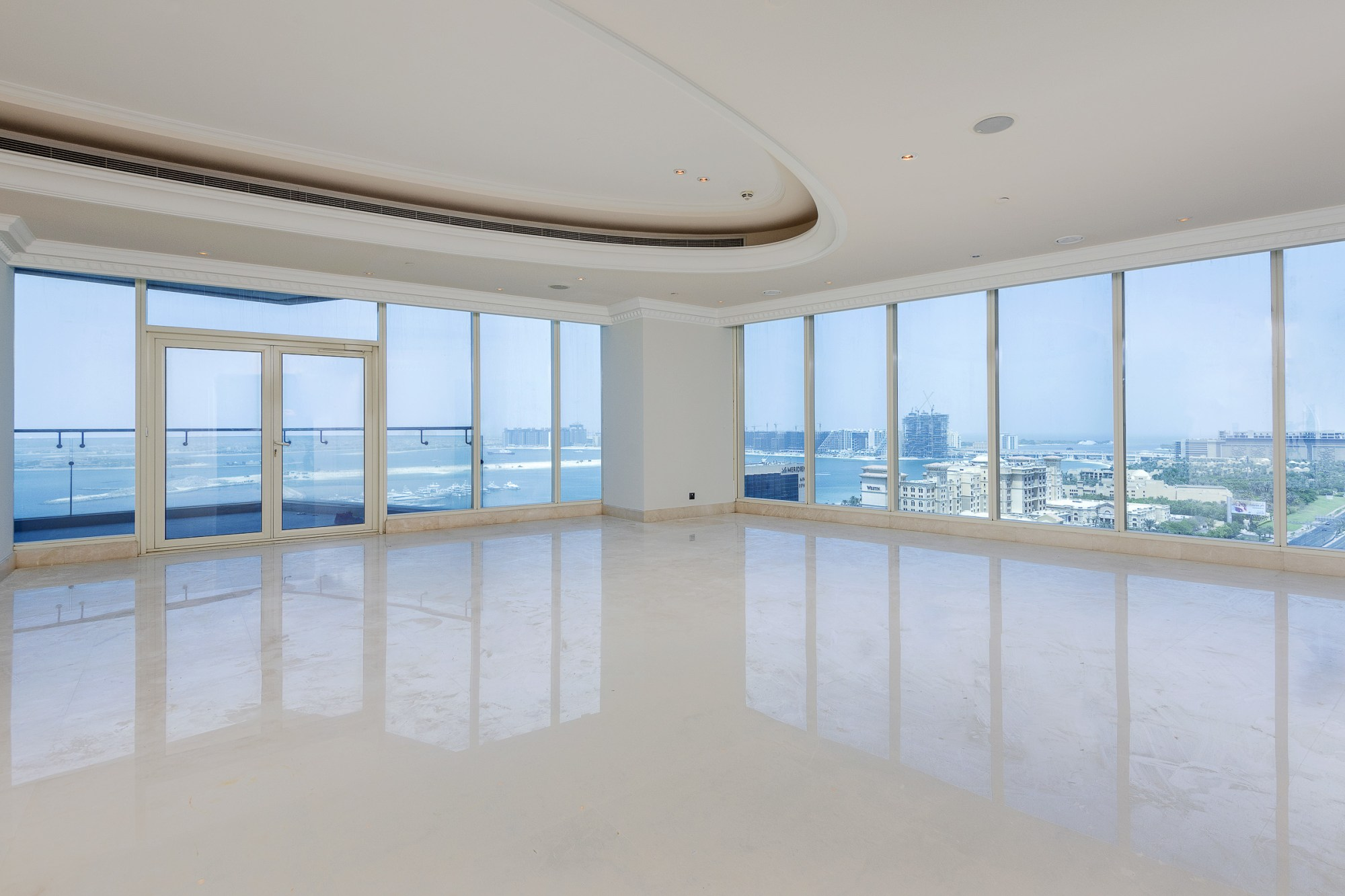 Luxurious 4 Bedroom Penthouse Palm Views