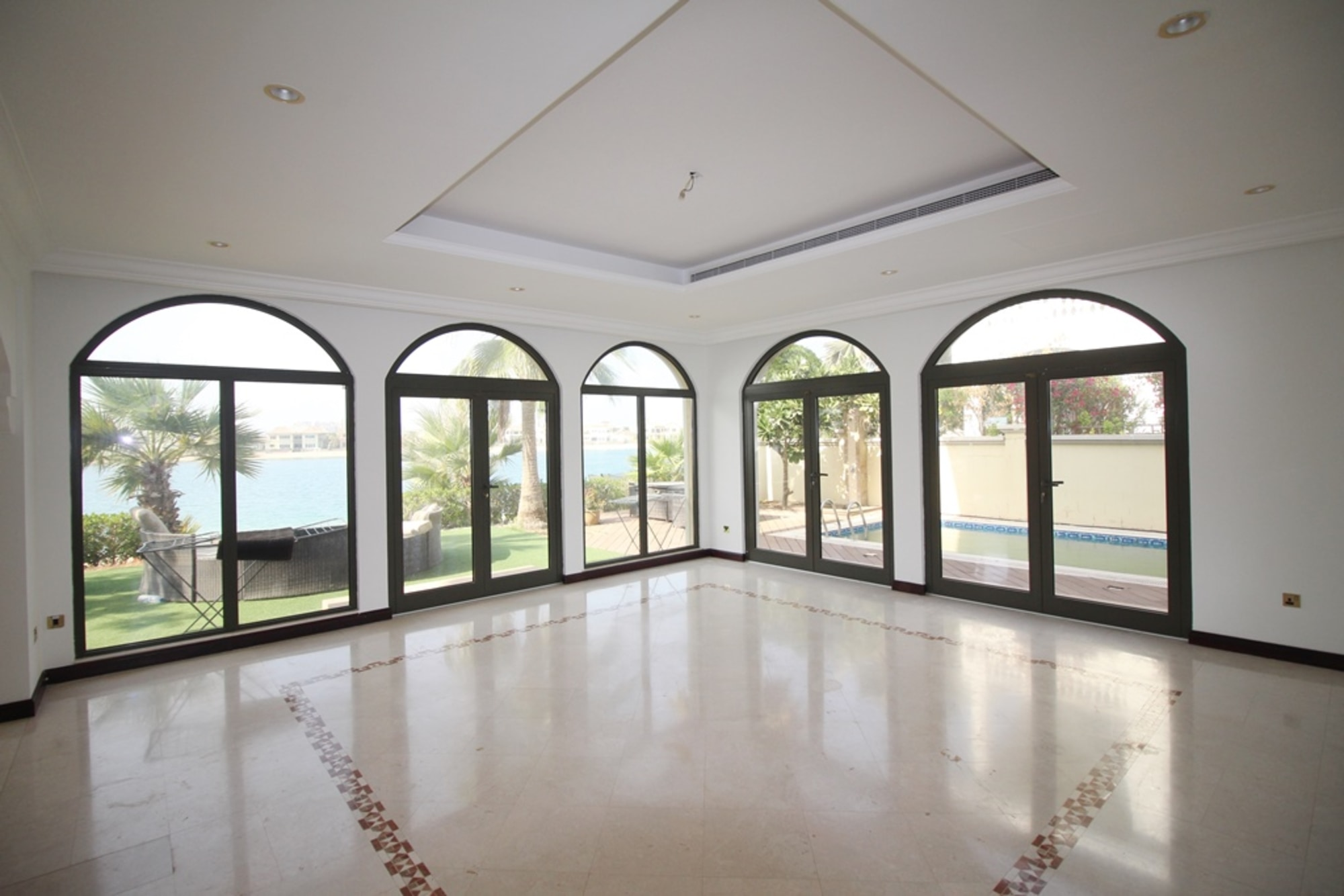 Stunning 5 Bedroom | Private Beach | Vacant