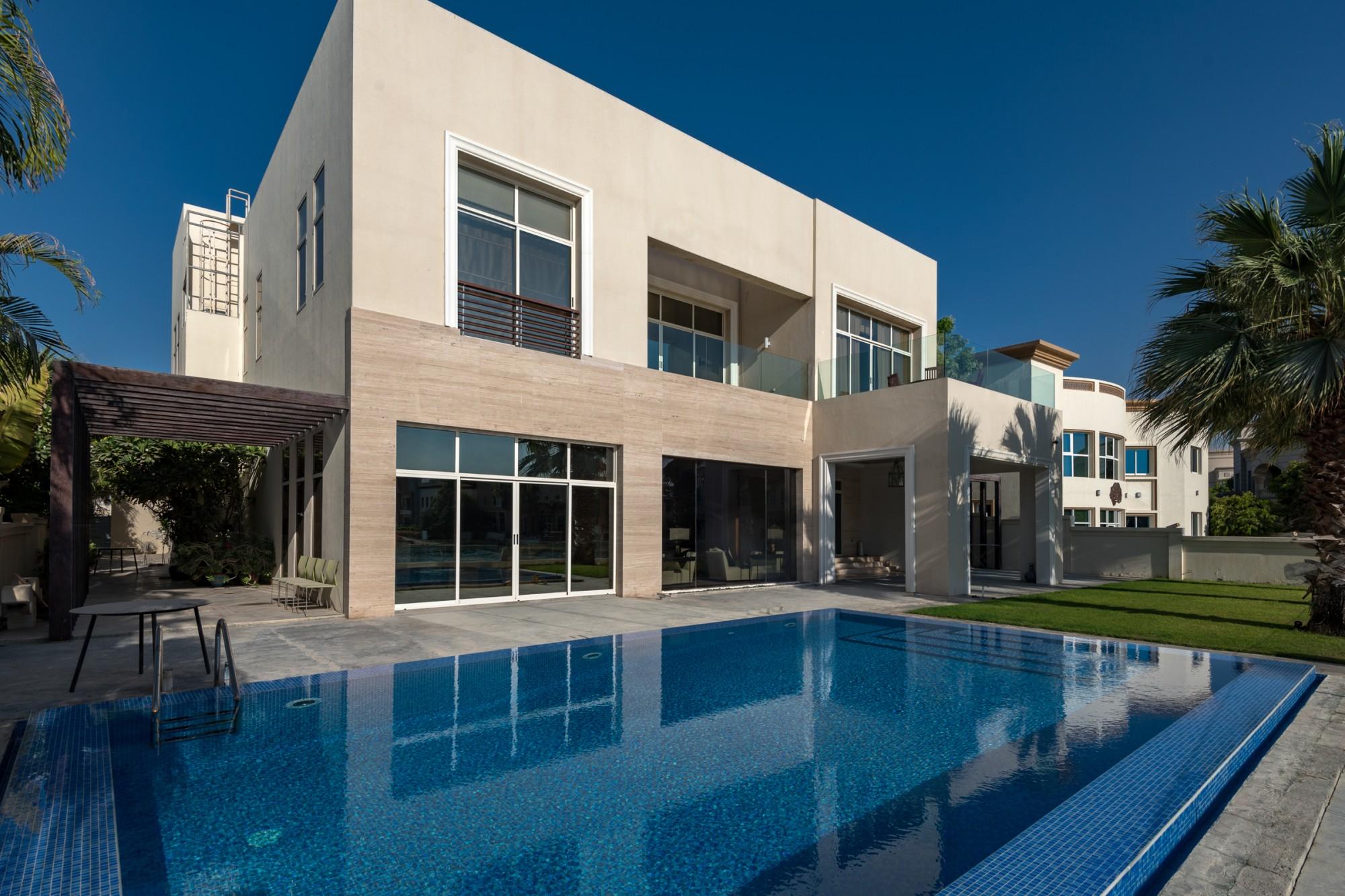 Lake View Modern Villa in Emirates Hills