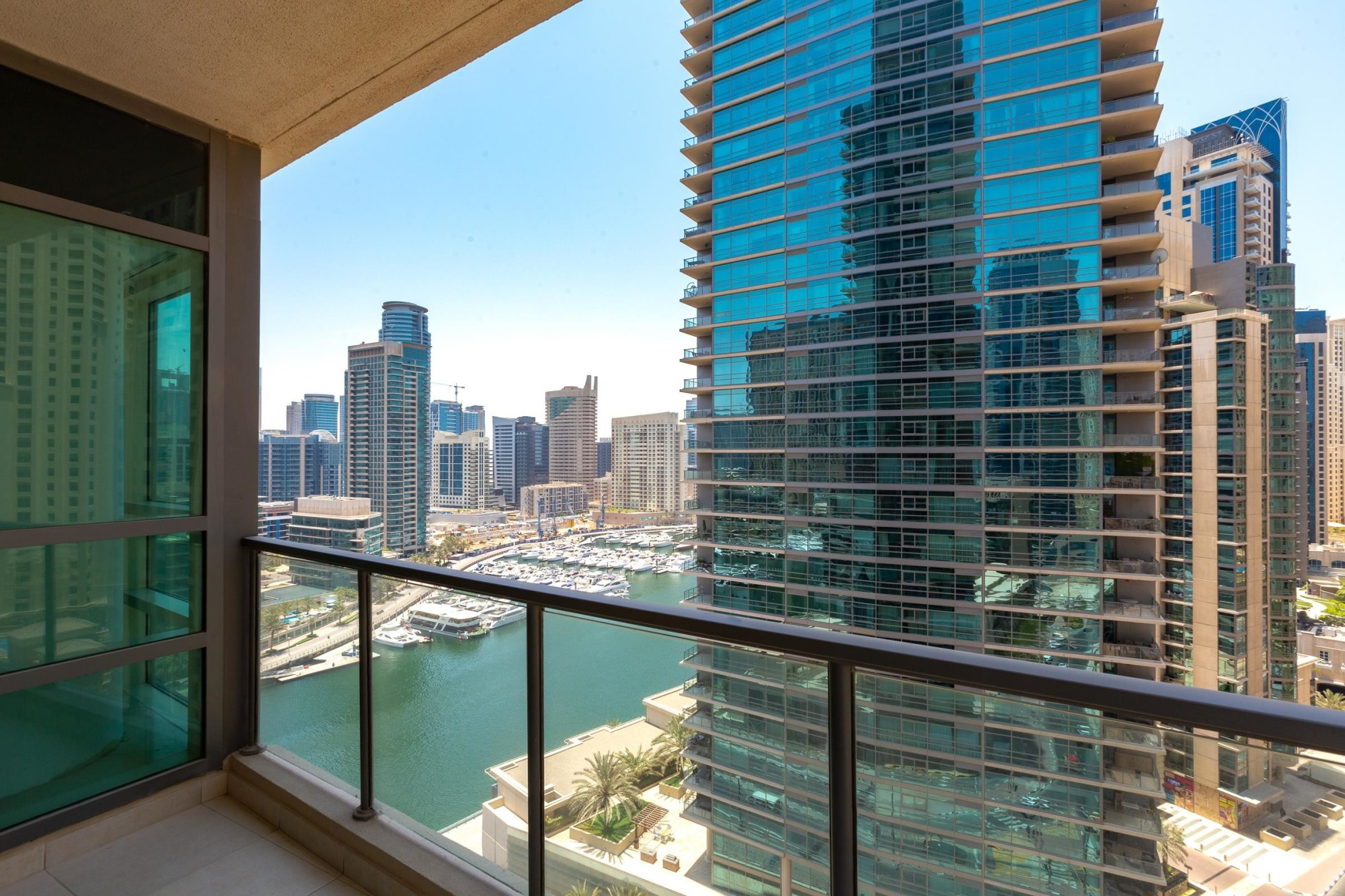 Large 1 Bedroom With Marina View | Ready