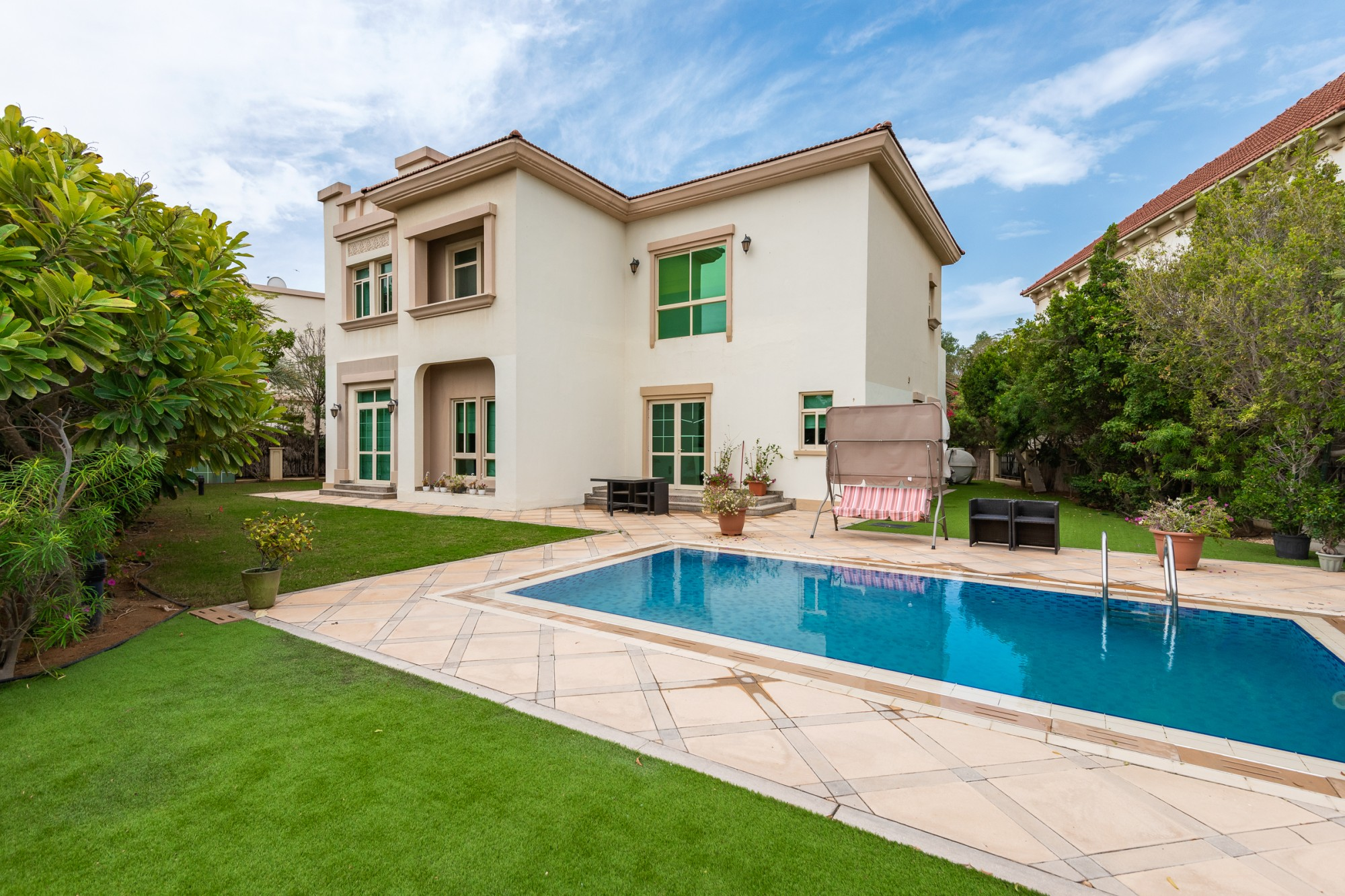 Immaculate Well Maintained 4 Bedroom EF Villa