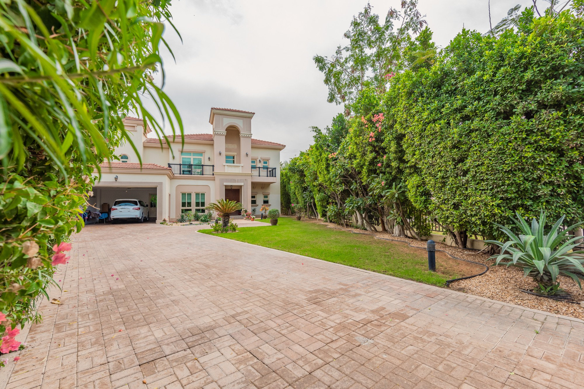 Exclusive 4 Bed Villa Mediterranean Cluster