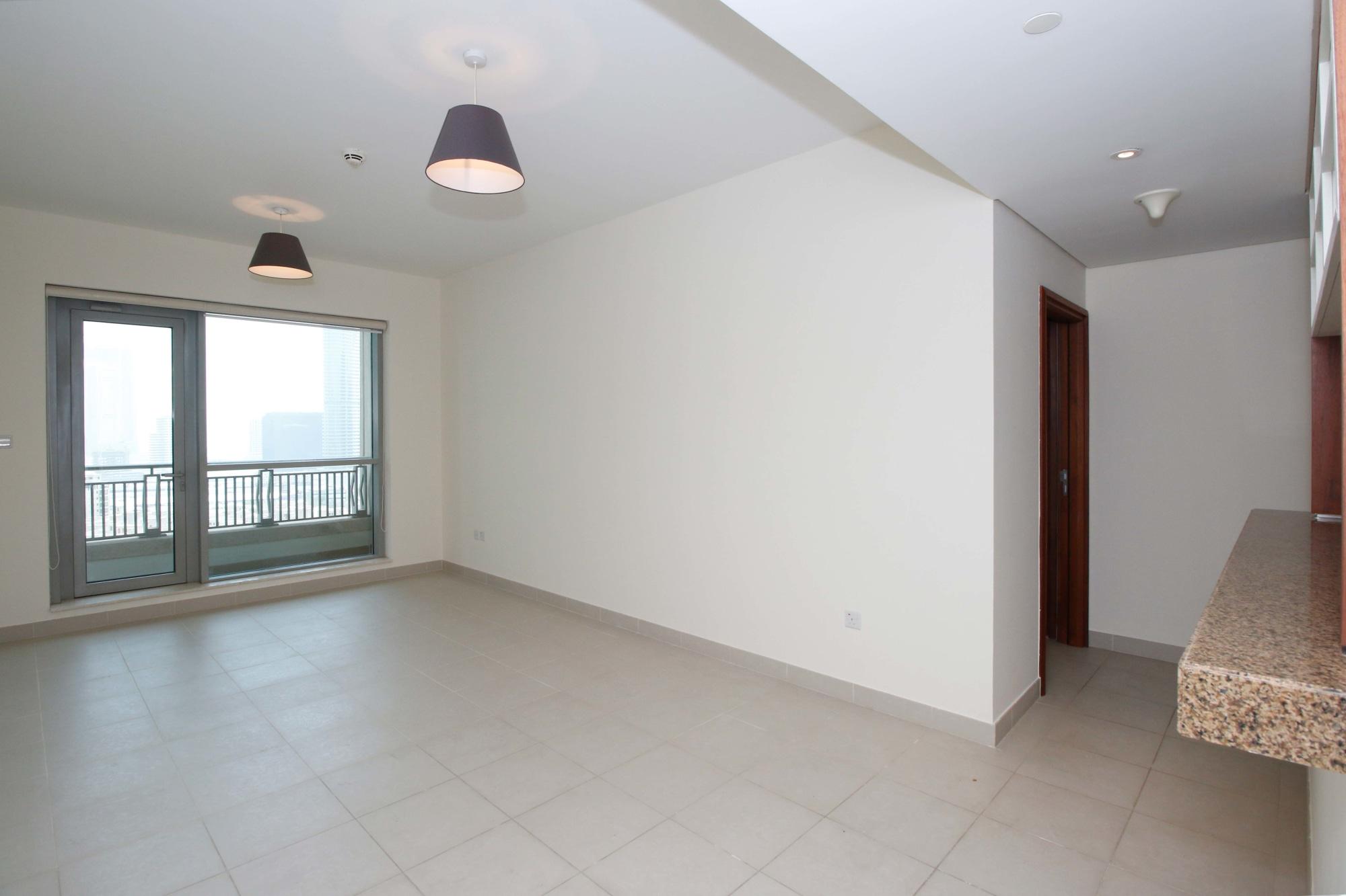 Bright and Spacious Big Corner Apartment