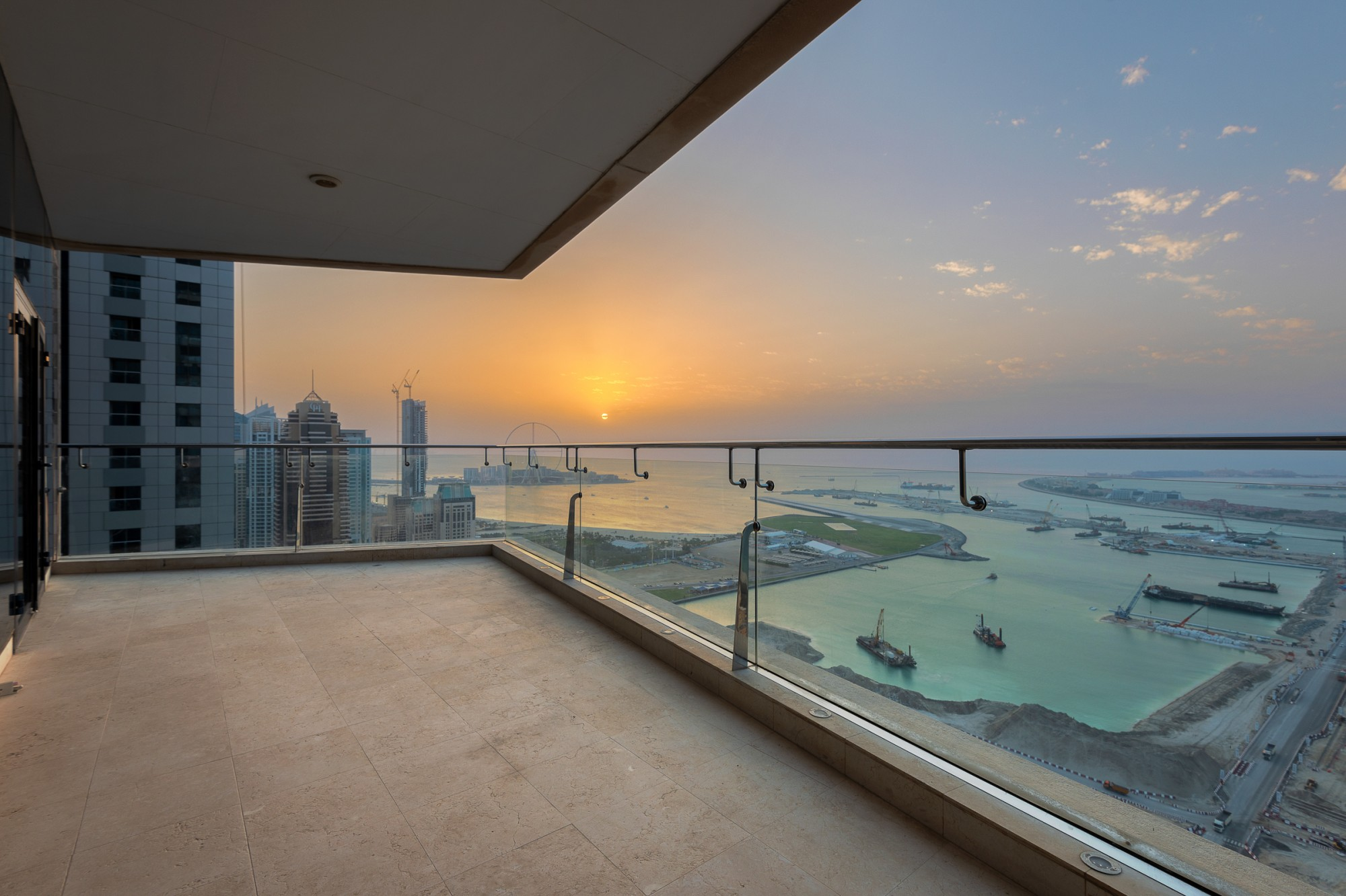 Sea View Penthouse with Four Bedrooms