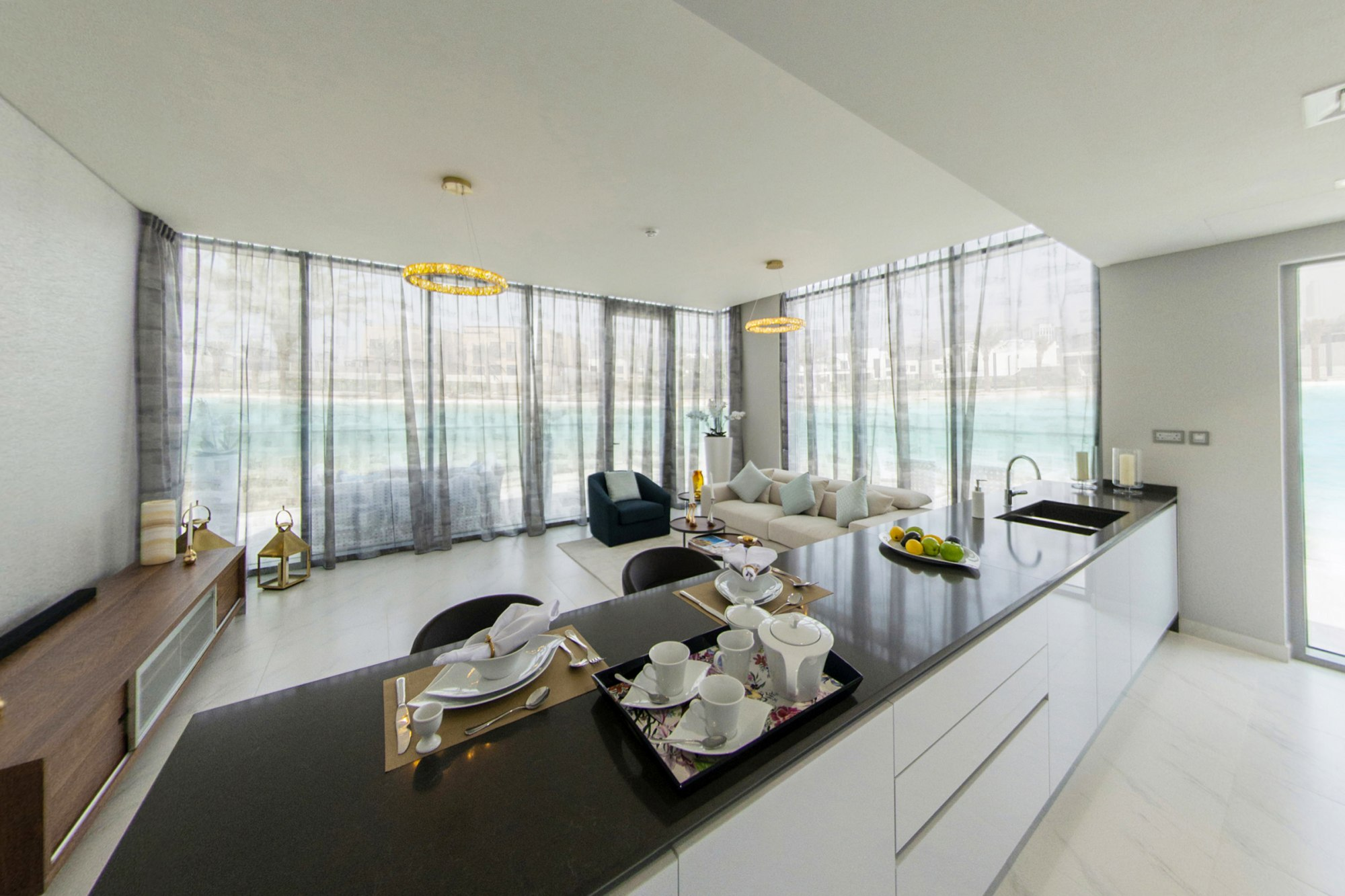 Full Crystal Lagoon View| Stunning 2 Bed