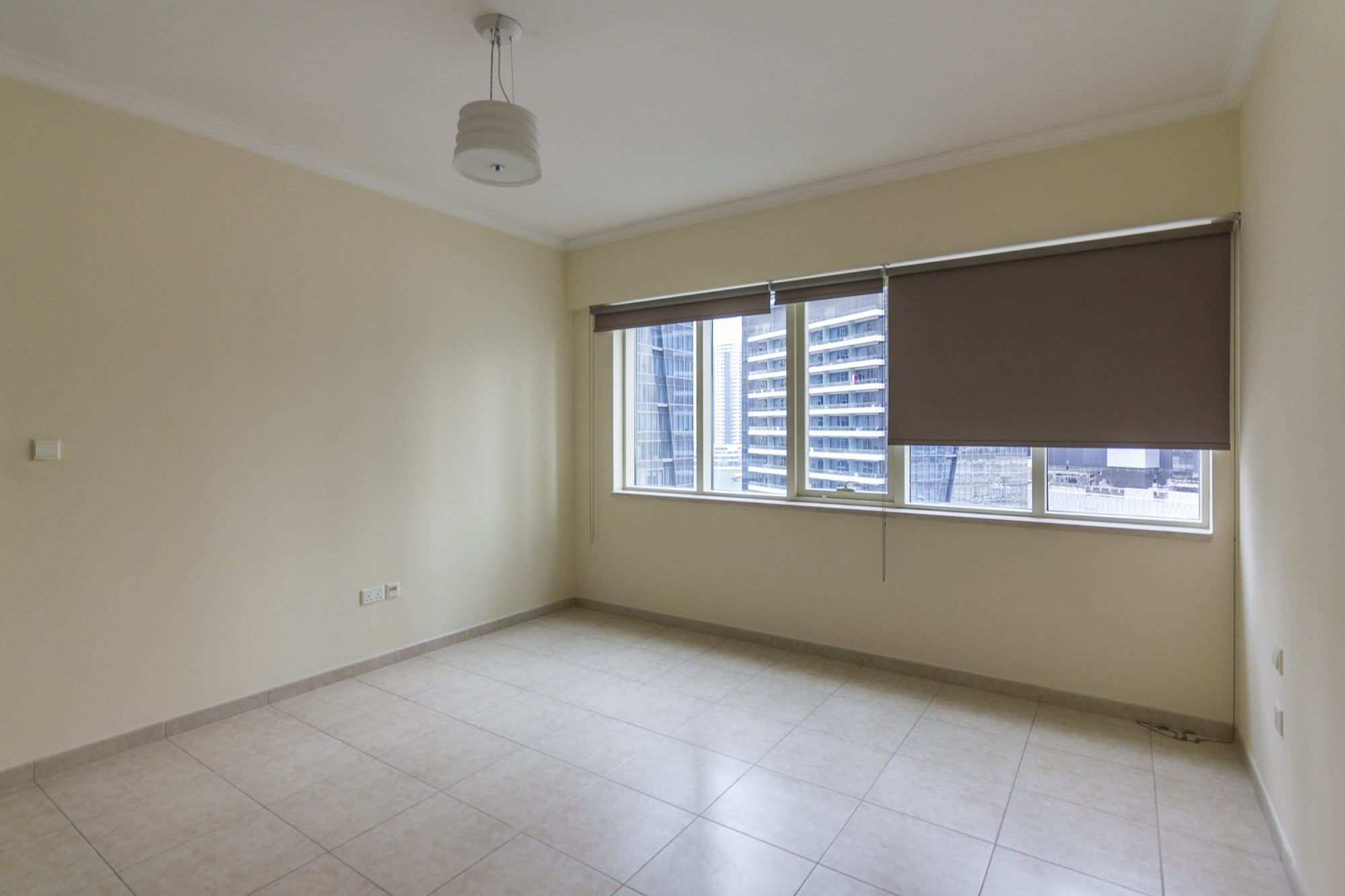 PRICED TO SELL   2 Bedroom   Vacant   Unfurnished