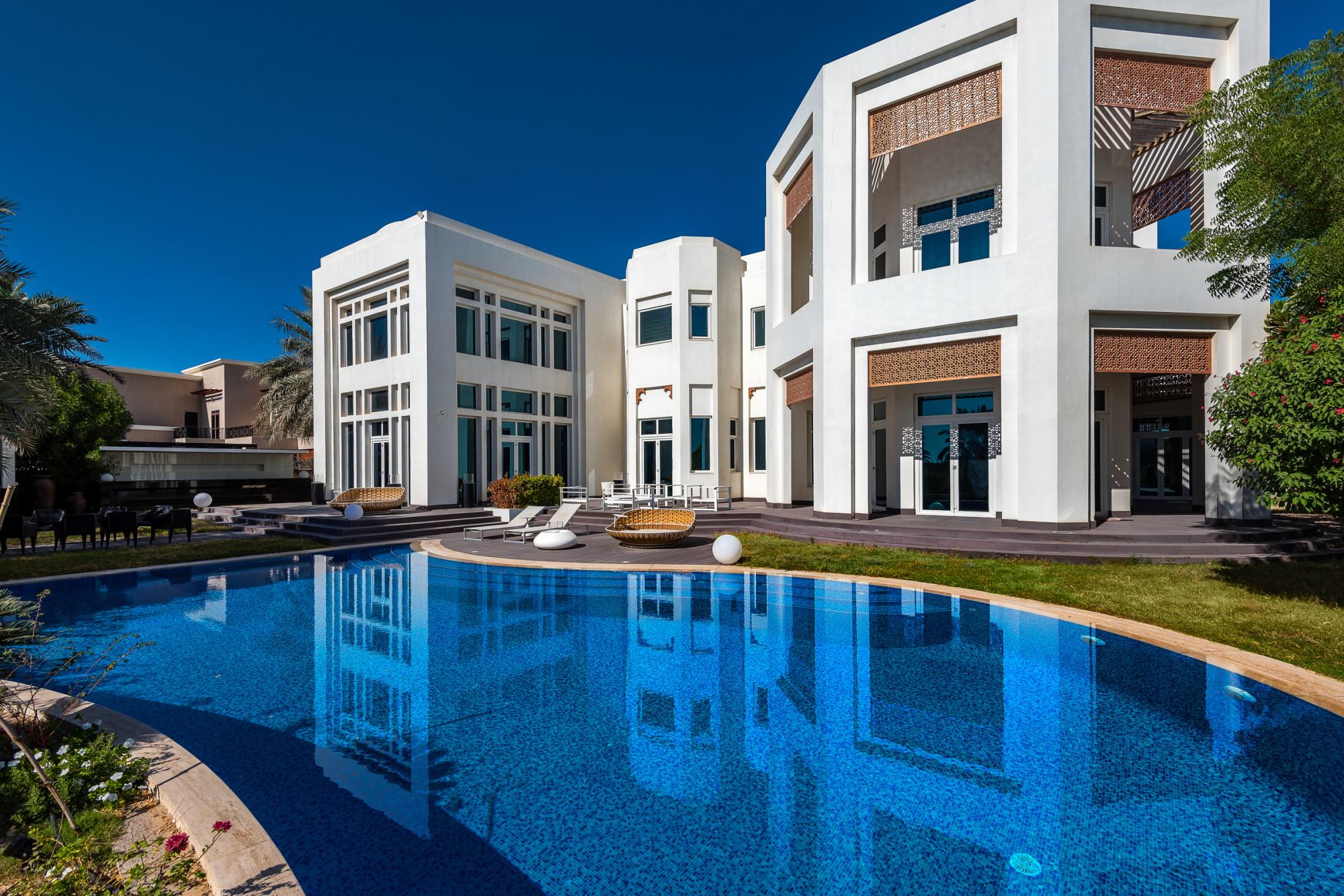 Luxury Villa 7 Bedroom | Golf and Lake Views