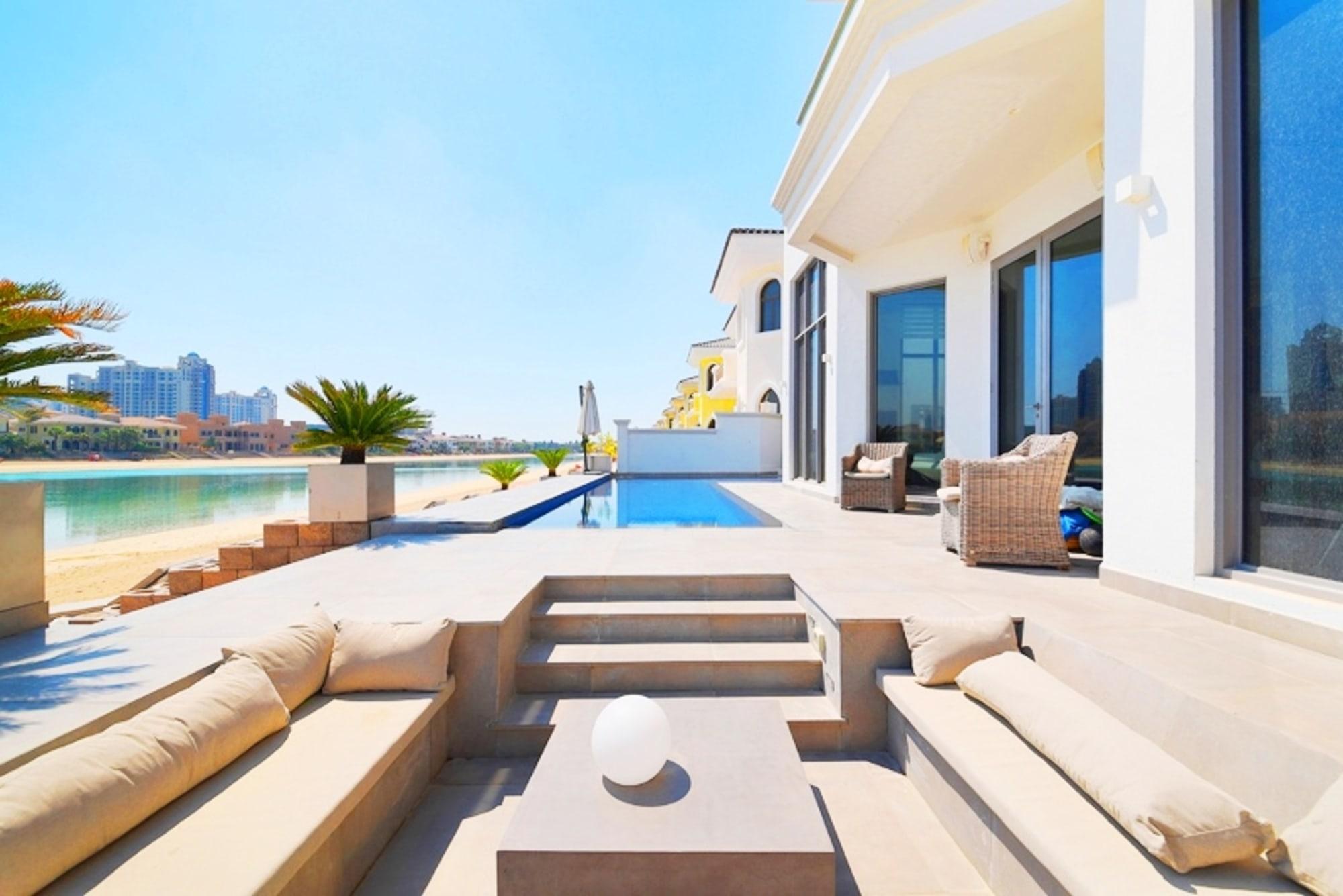 Fully Renovated Beachfront  Garden Villa