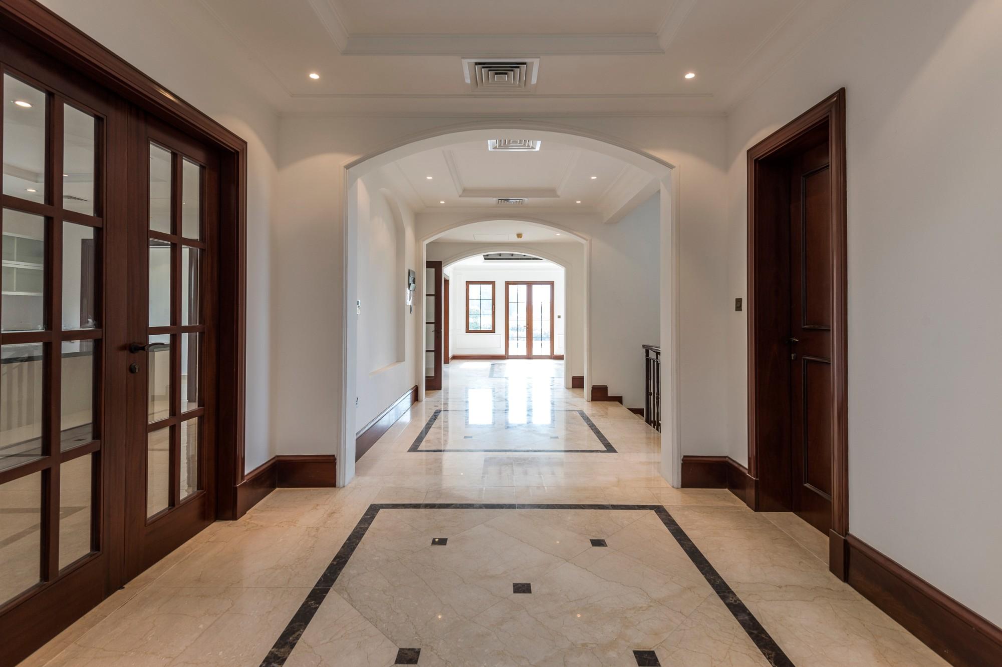 6 Bedroom + Basement Villa Private Pool Golf View