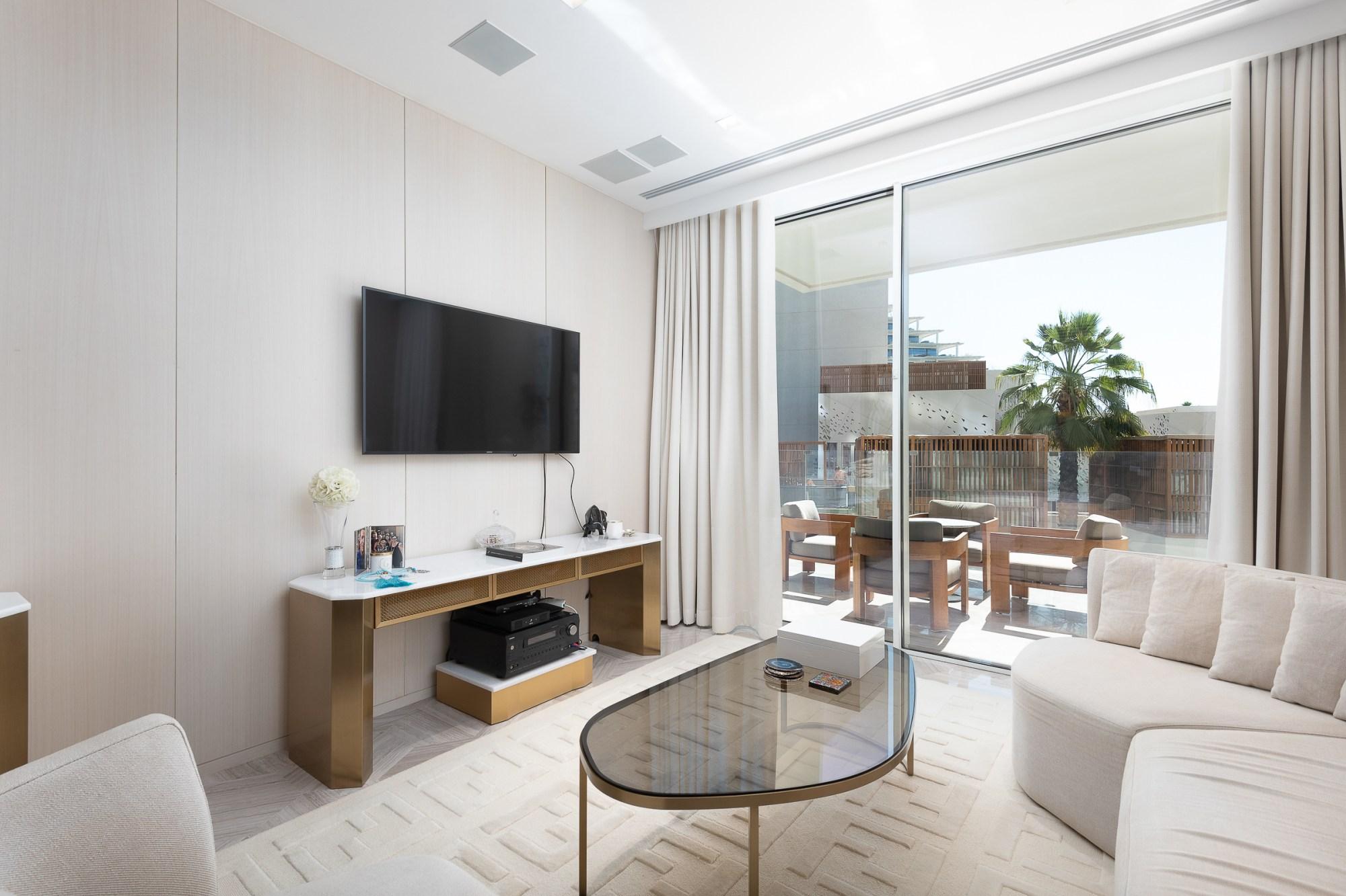 Unique layout | Designer Furniture | Skyline view