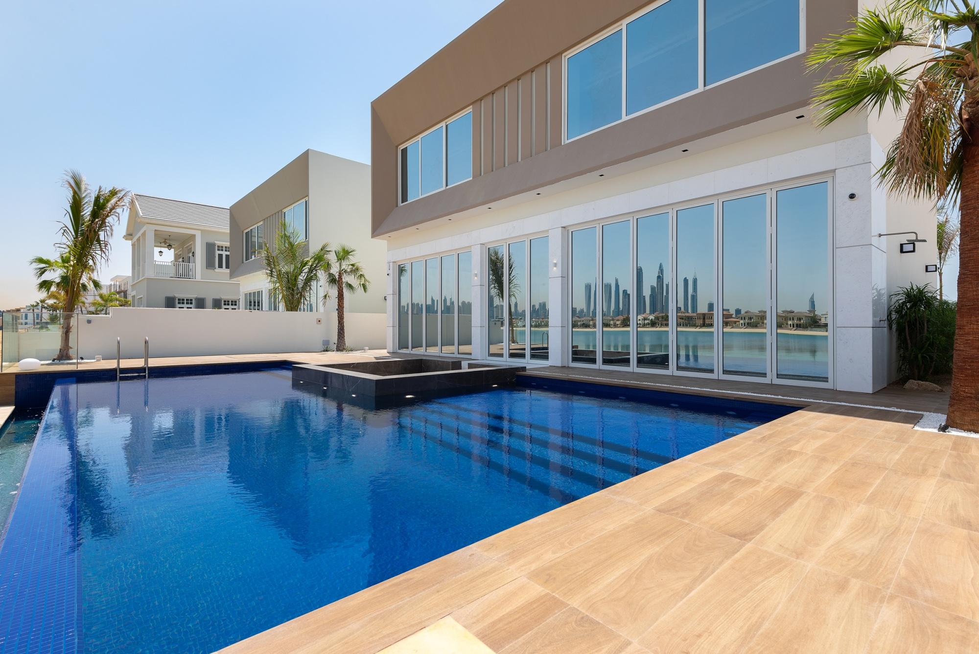 Custom Built | Modern | Stunning Skyline View