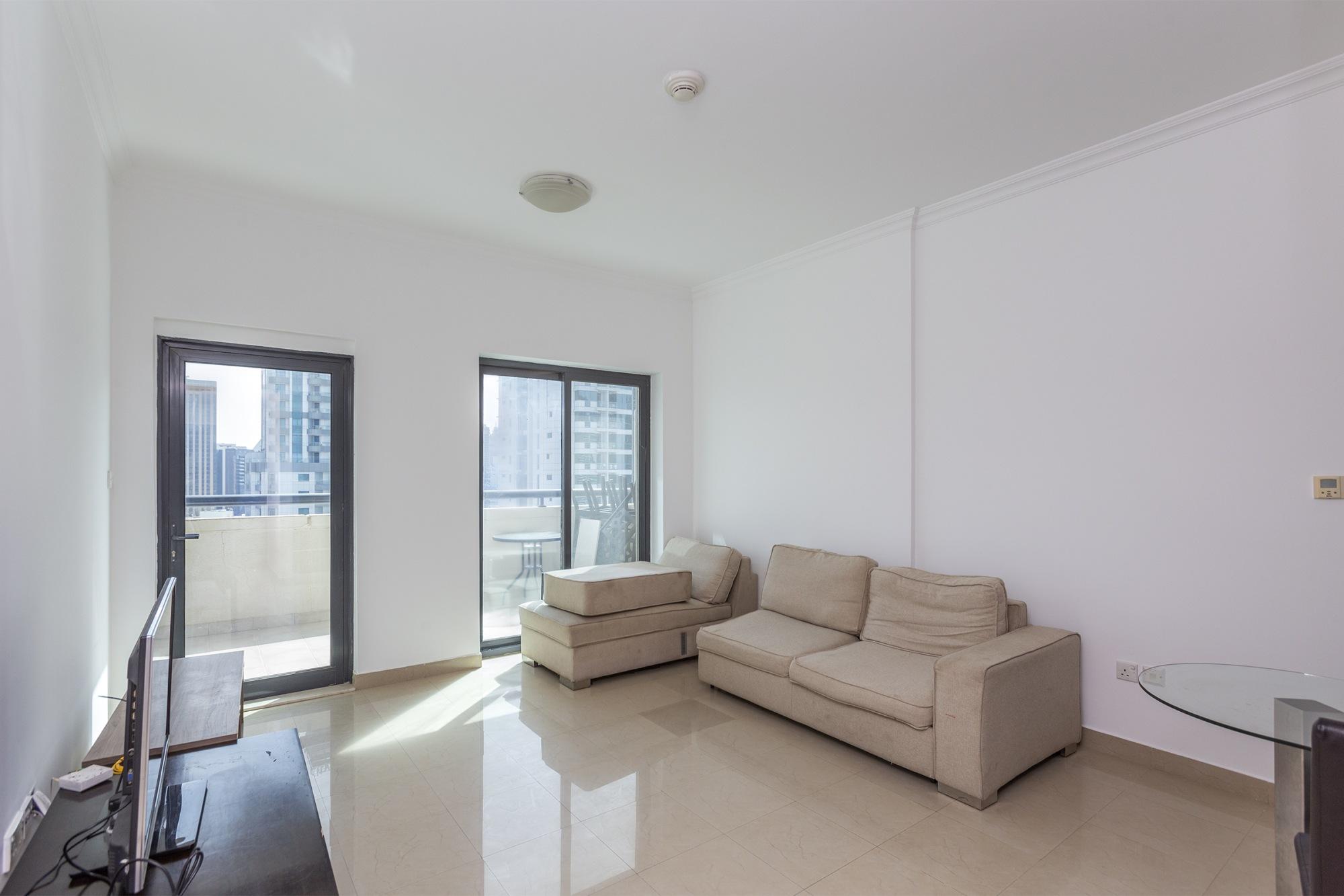 High Floor | Spacious 1 Bedroom | Nice Location