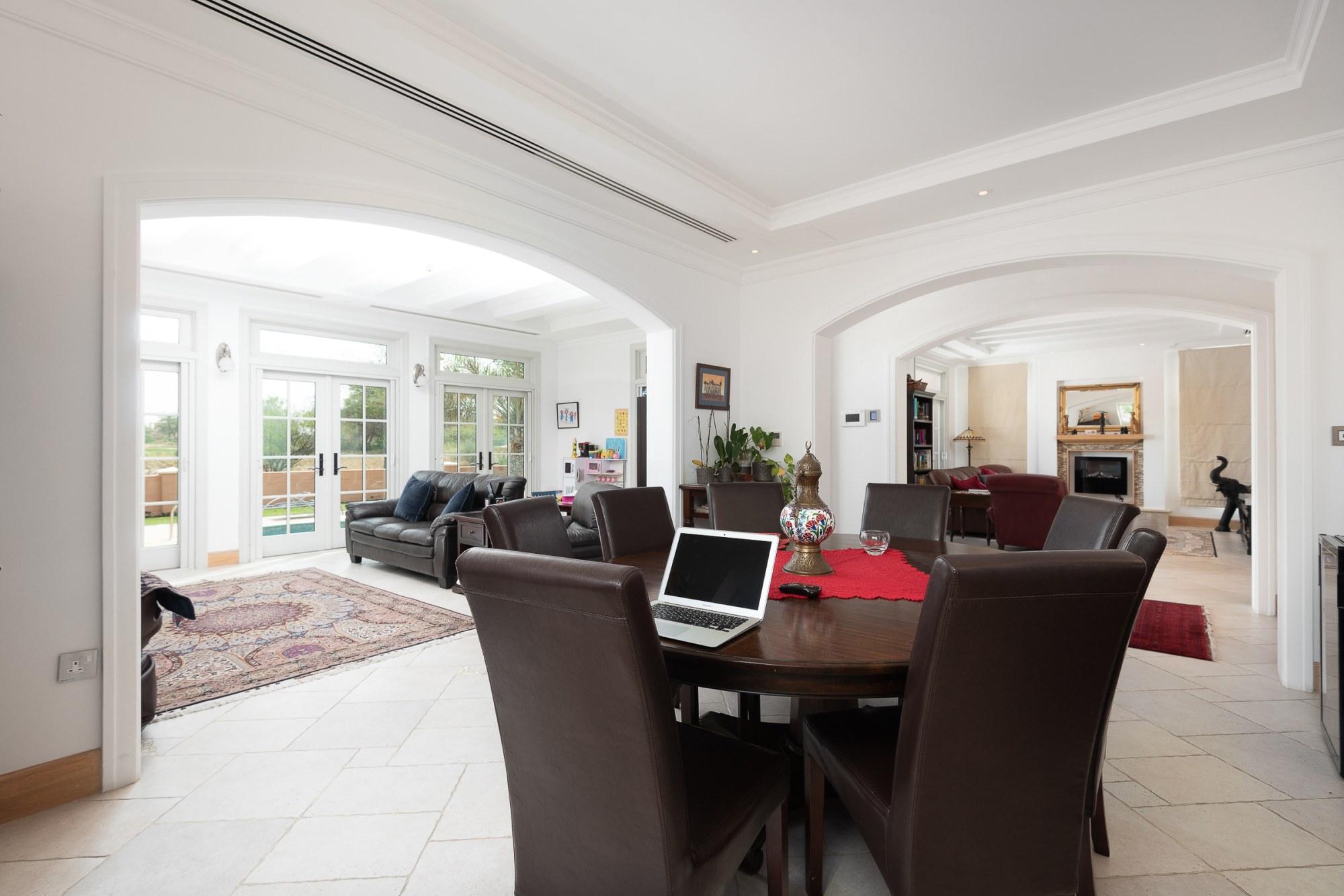 Cheapest 5 Bed Villa in Flame Tree Ridge