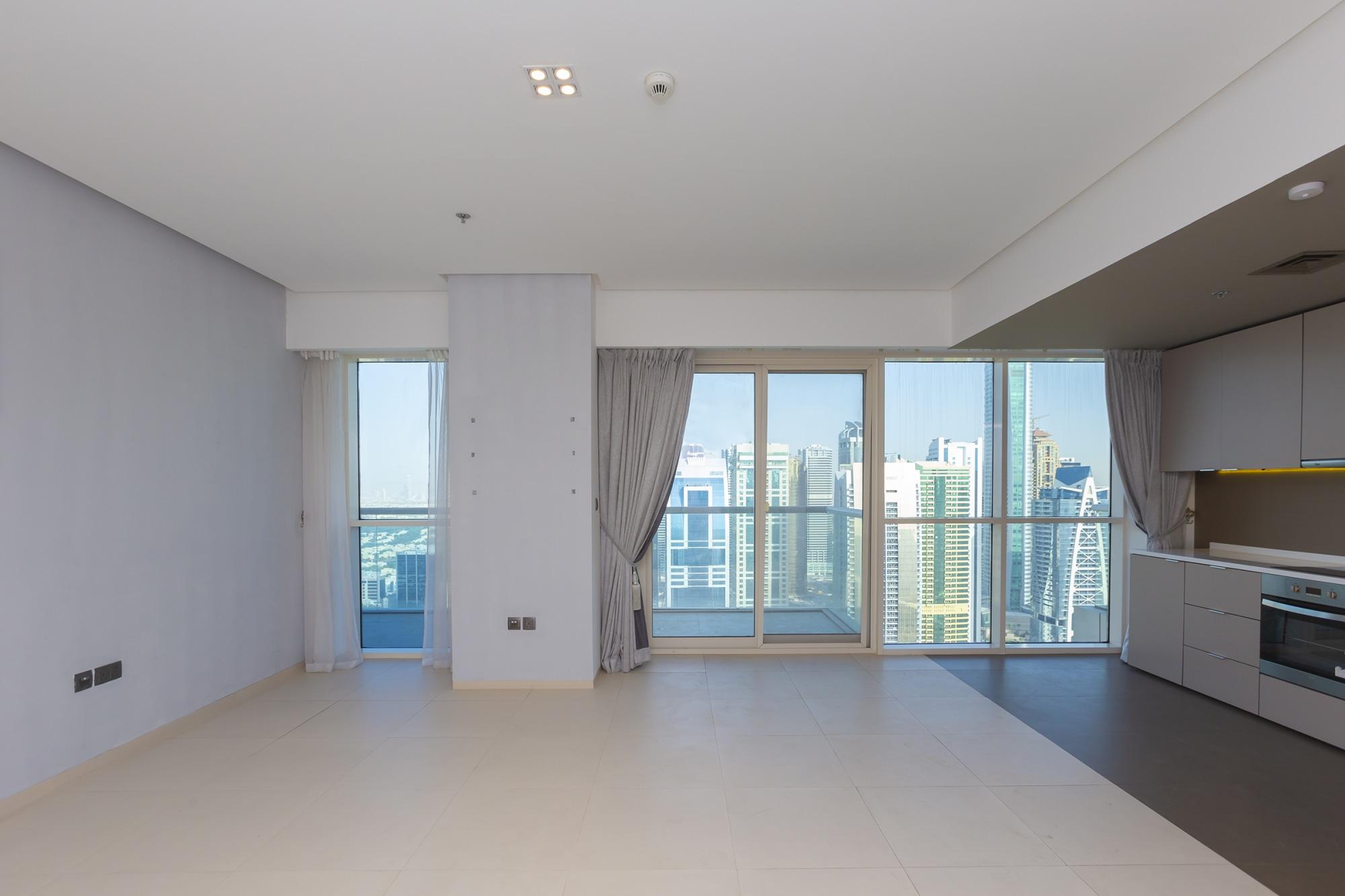 Modern Two Bedroom in West Avenue High Floor