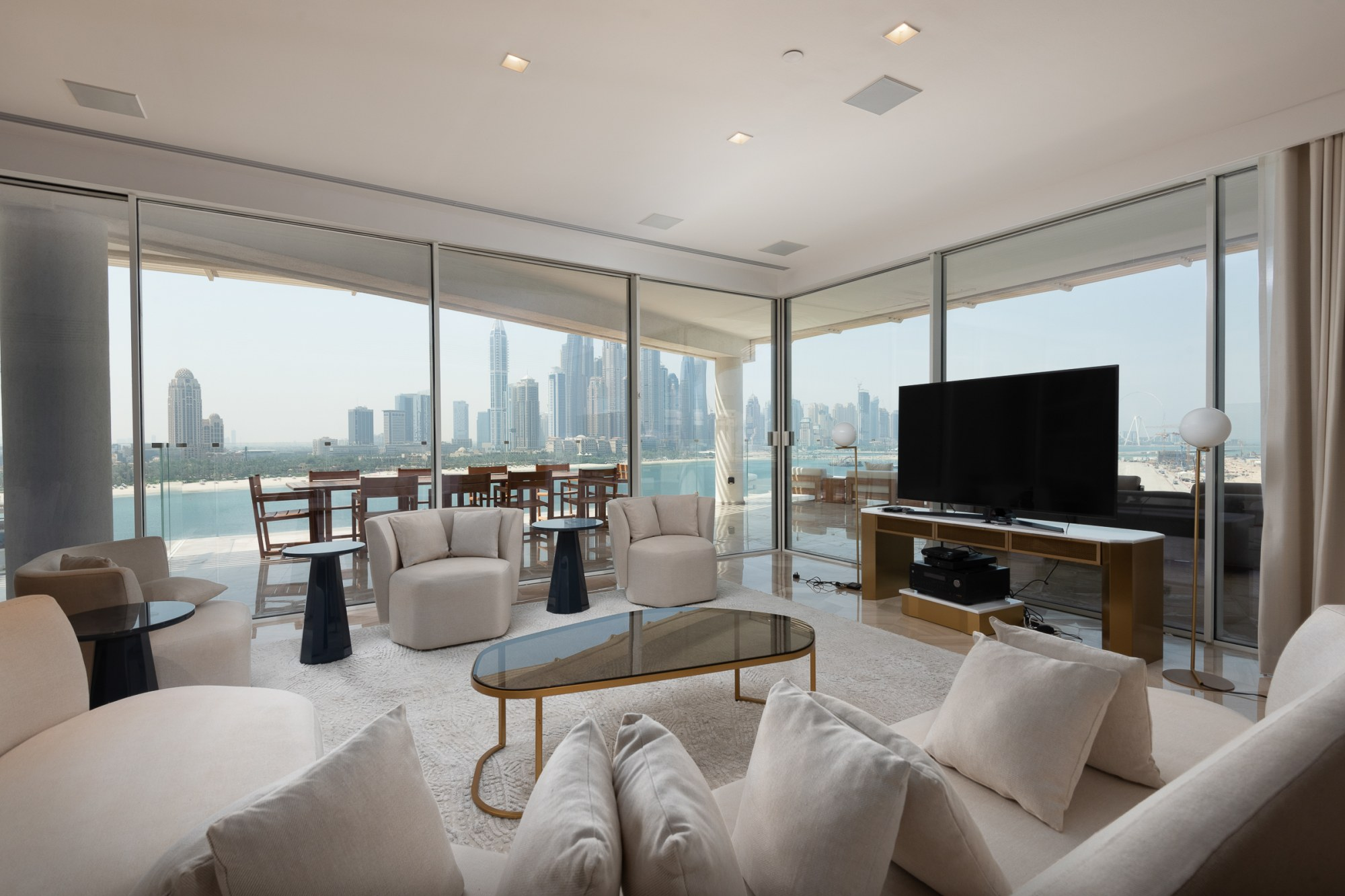 Gorgeous Penthouse   Private Pool on Lease