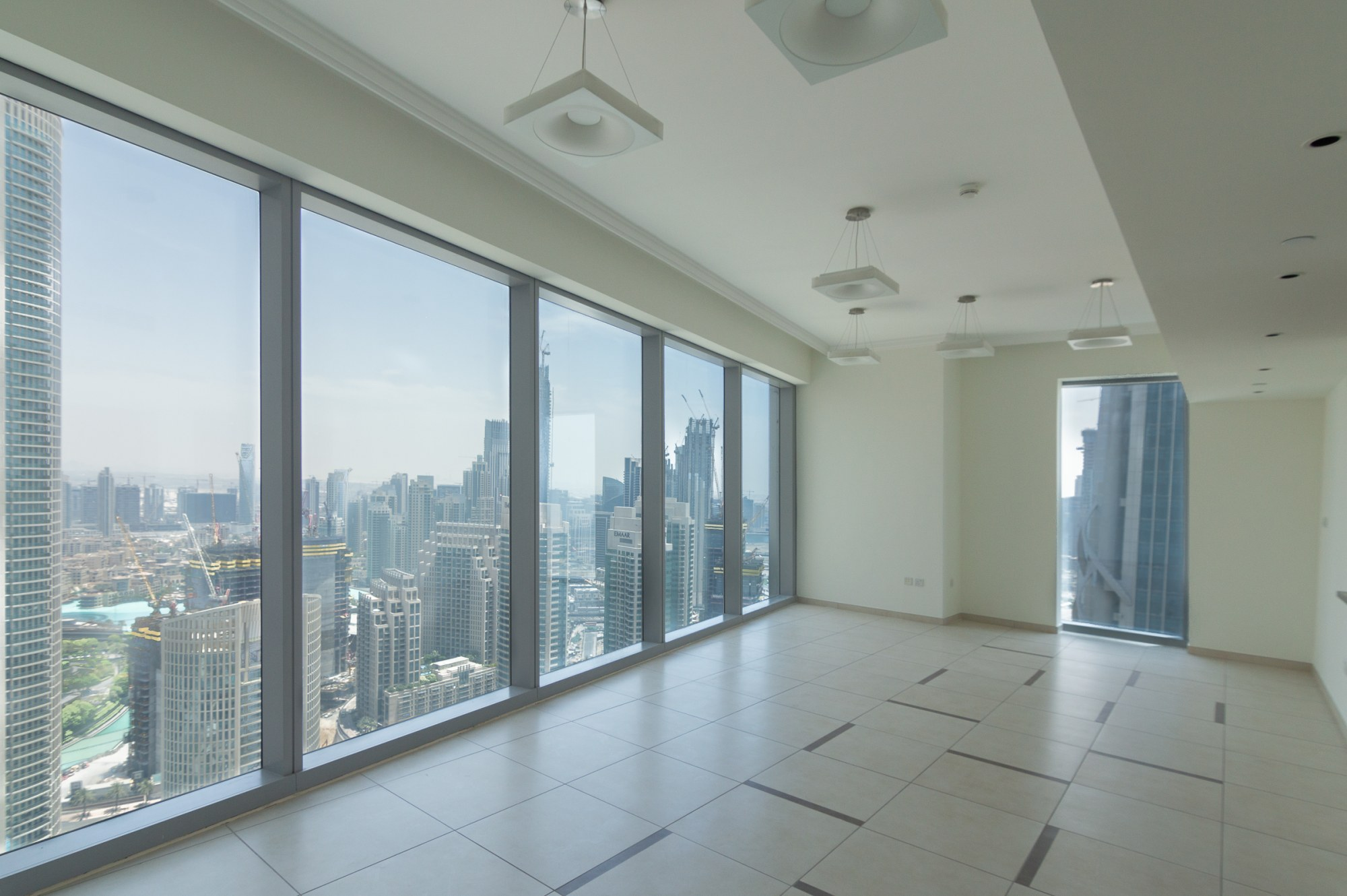 Spacious 4 Beds with Incredible Burj Khalifa View