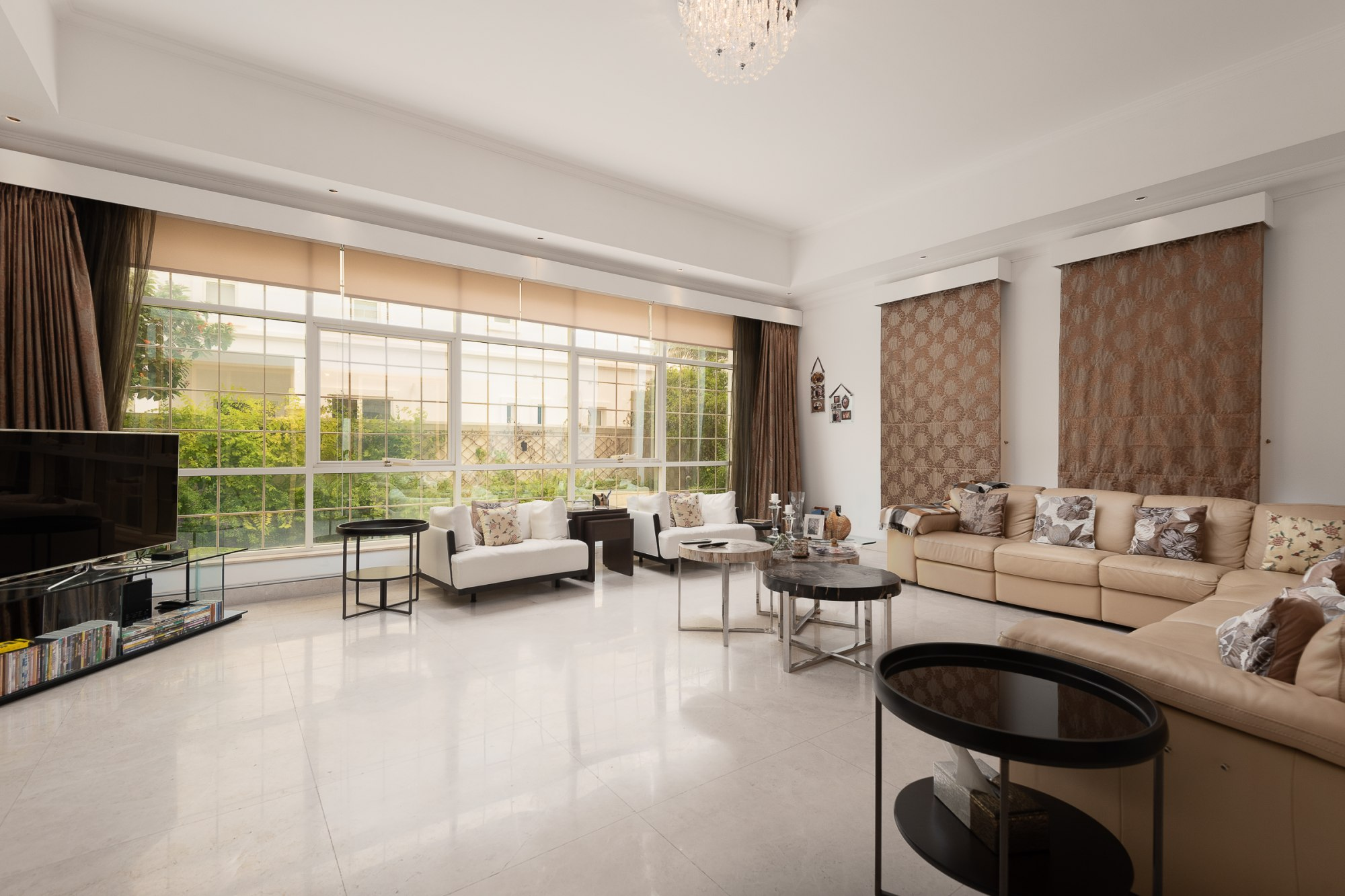 Exquisite villa | Modern Interiors for SALE