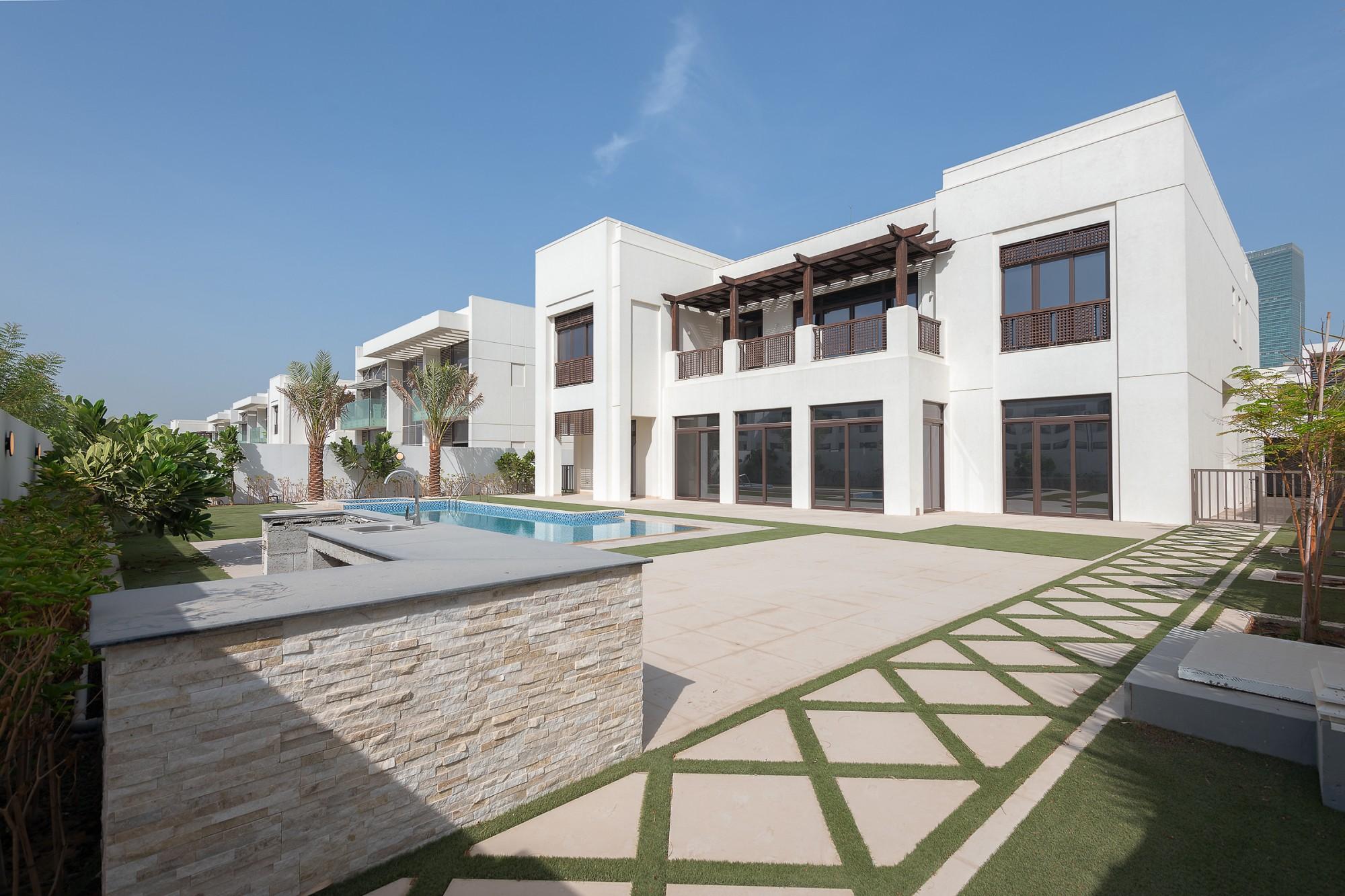 Modern Arabic 6 Bedroom | Luxury Villa
