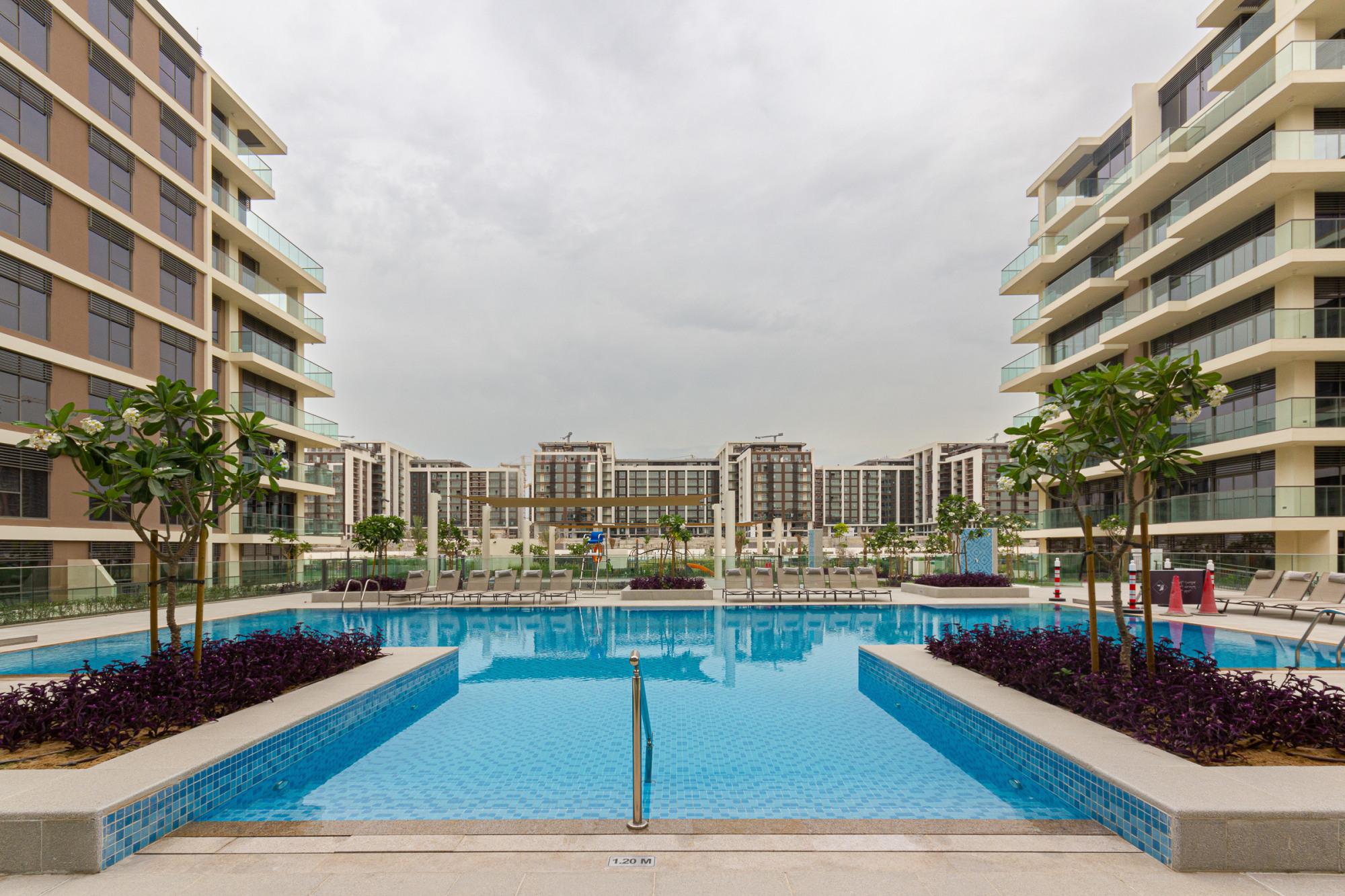 3 Bed end unit | Large Balcony plus Burj View