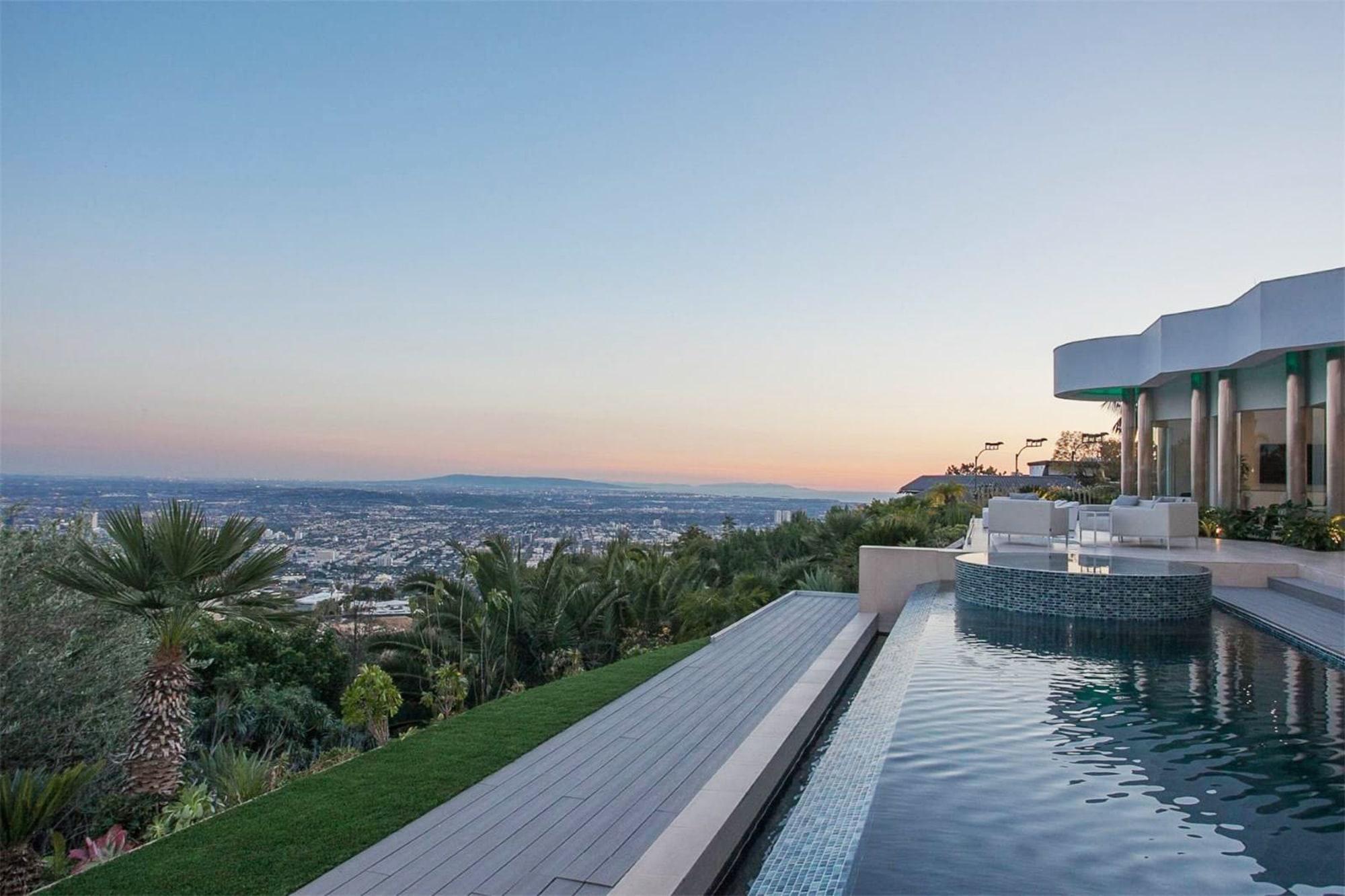 440 Martin Lane Beverly Hills