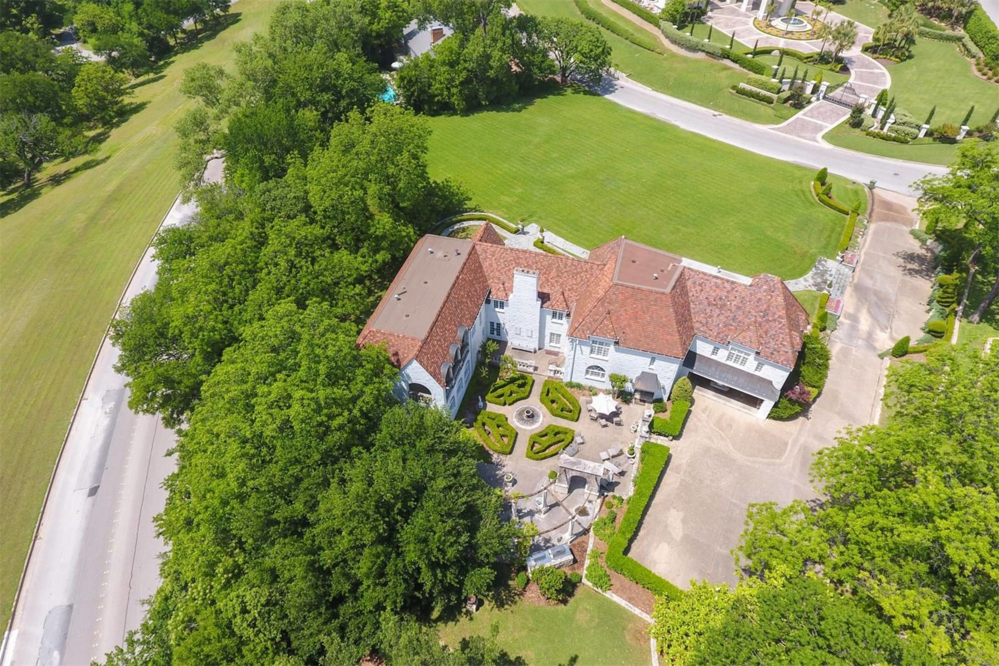 FRENCH CHATEAU IN THE HEART OF OLD WESTOVER