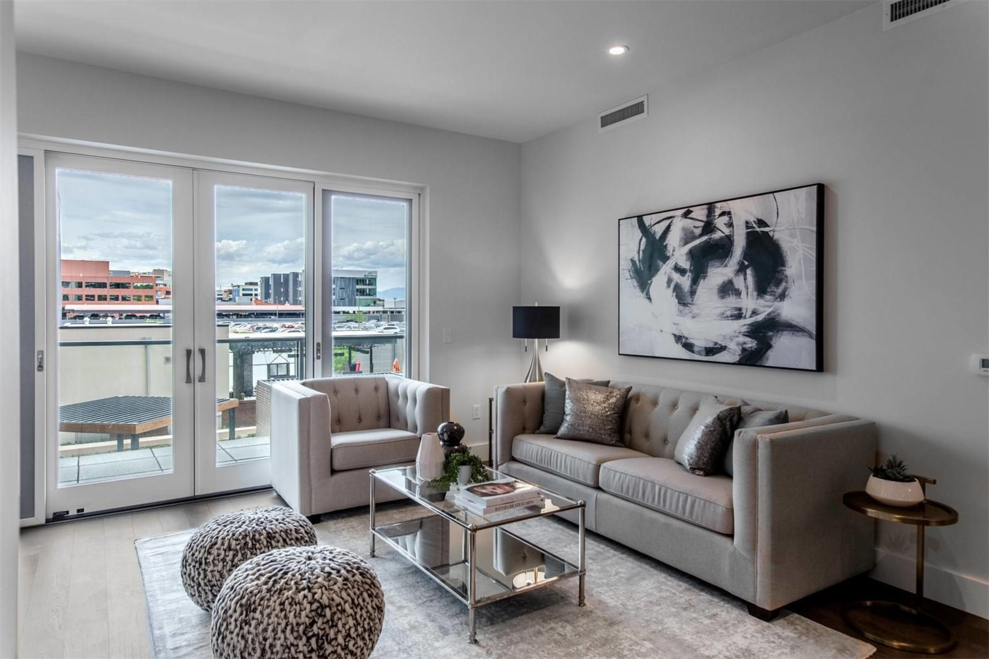 HIGH END RESIDENCE IN CHERRY CREEK