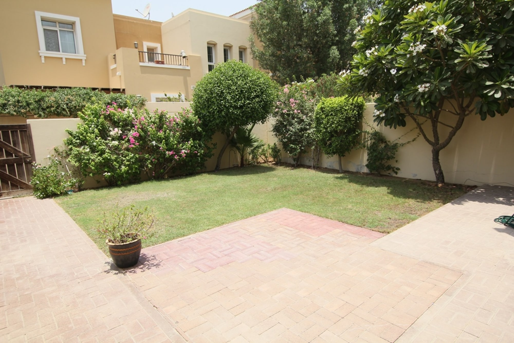 Type 3M villa close to pool and park