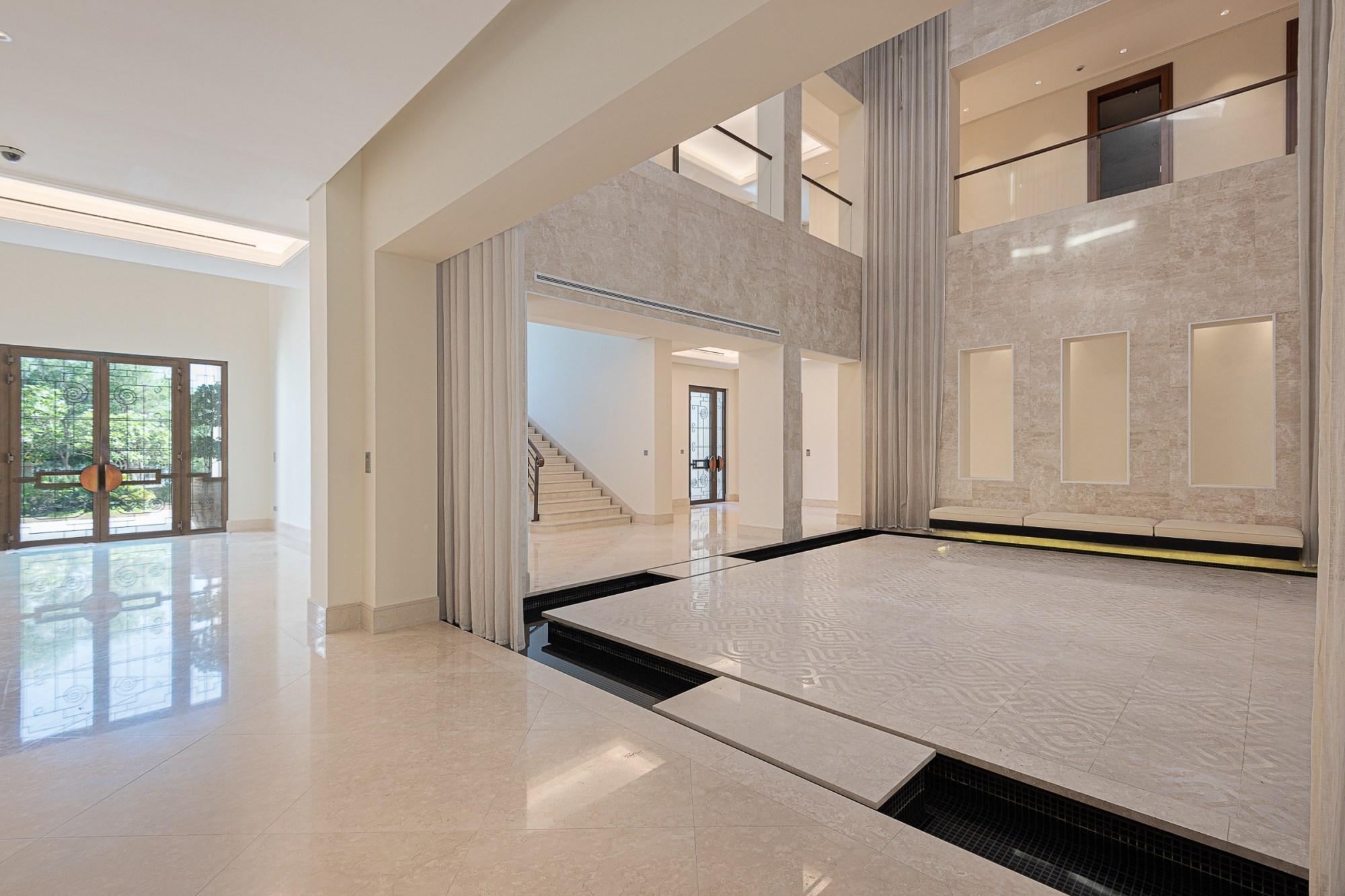 Exquisite Six Bedrooms Emirates Hills Villa