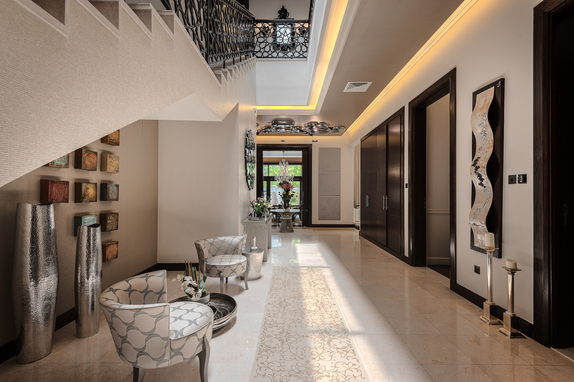 Upgraded furnished luxury Dahlia with large plot