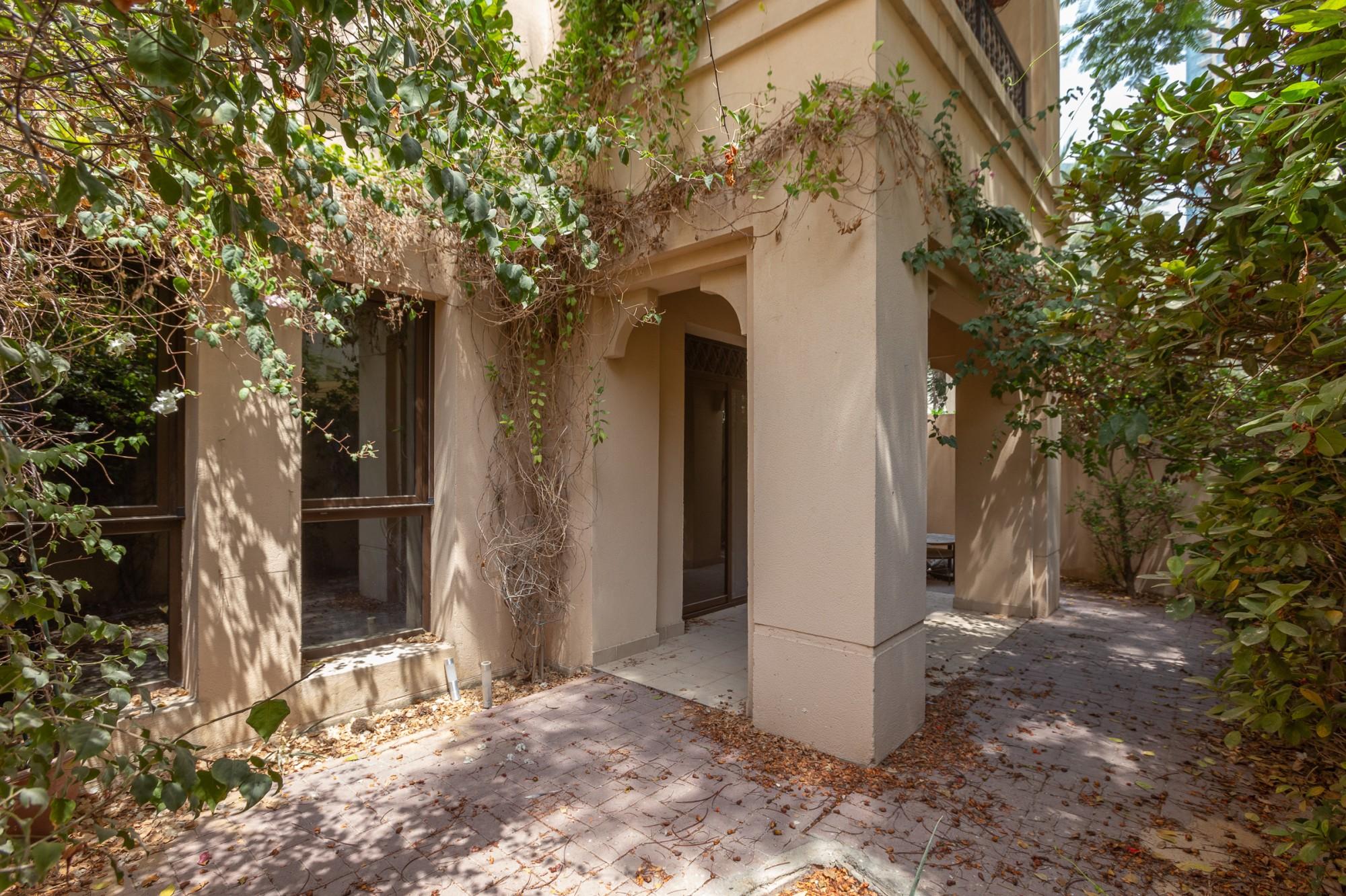 Beautiful Garden Apartment | Best Price