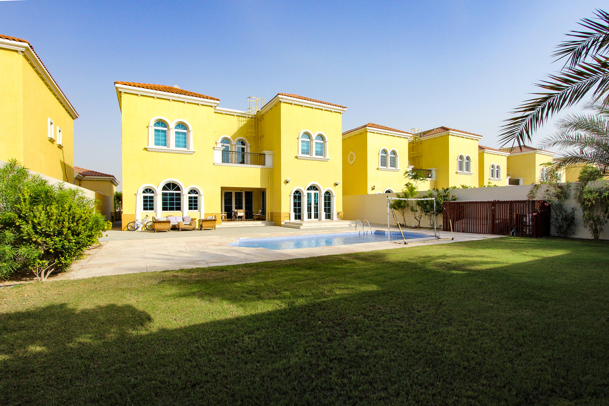 Immaculate 3 Bed | Private Pool | District 5