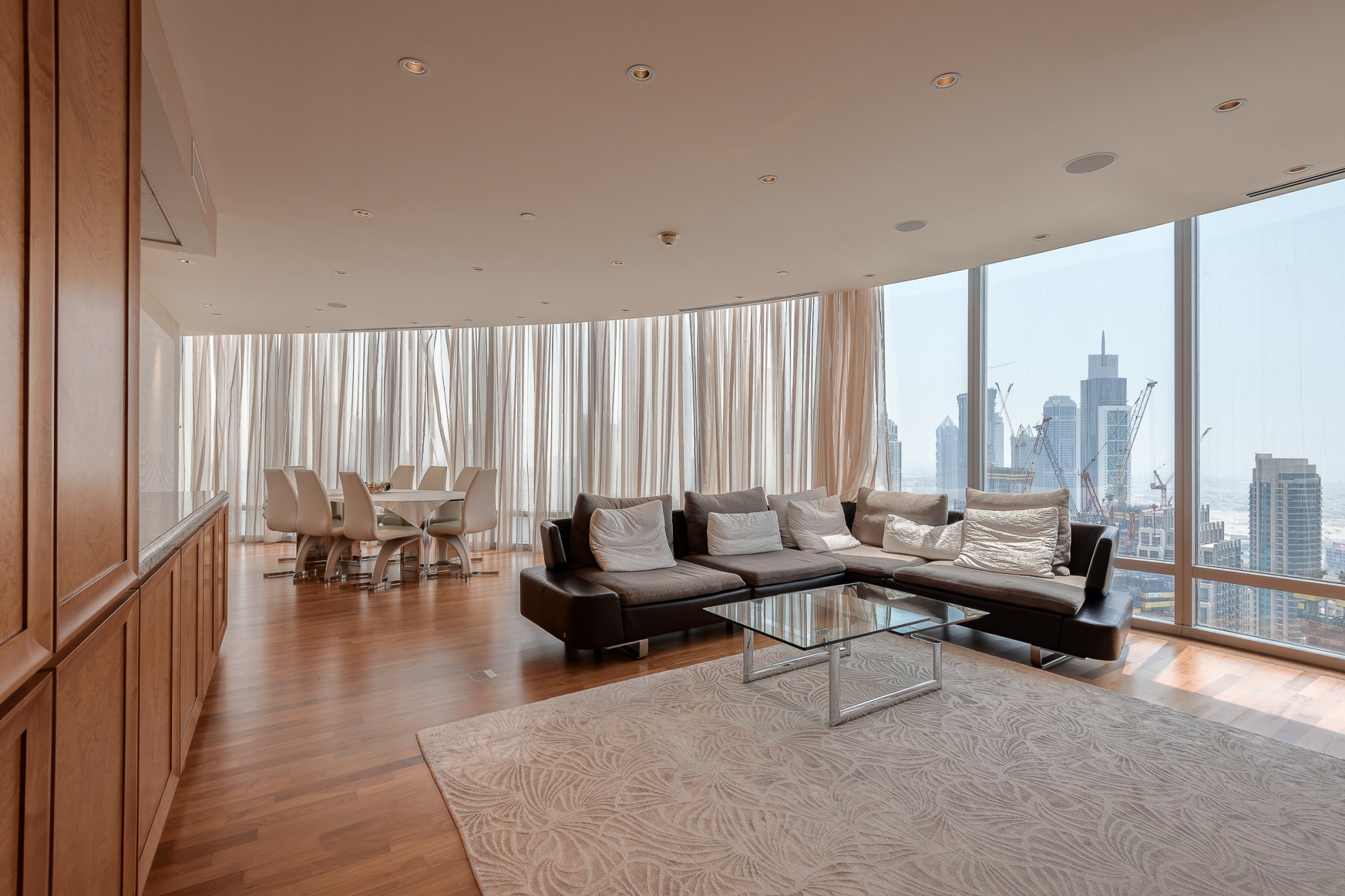 Rare Classic Finish Three Bedroom In Burj Khalifa