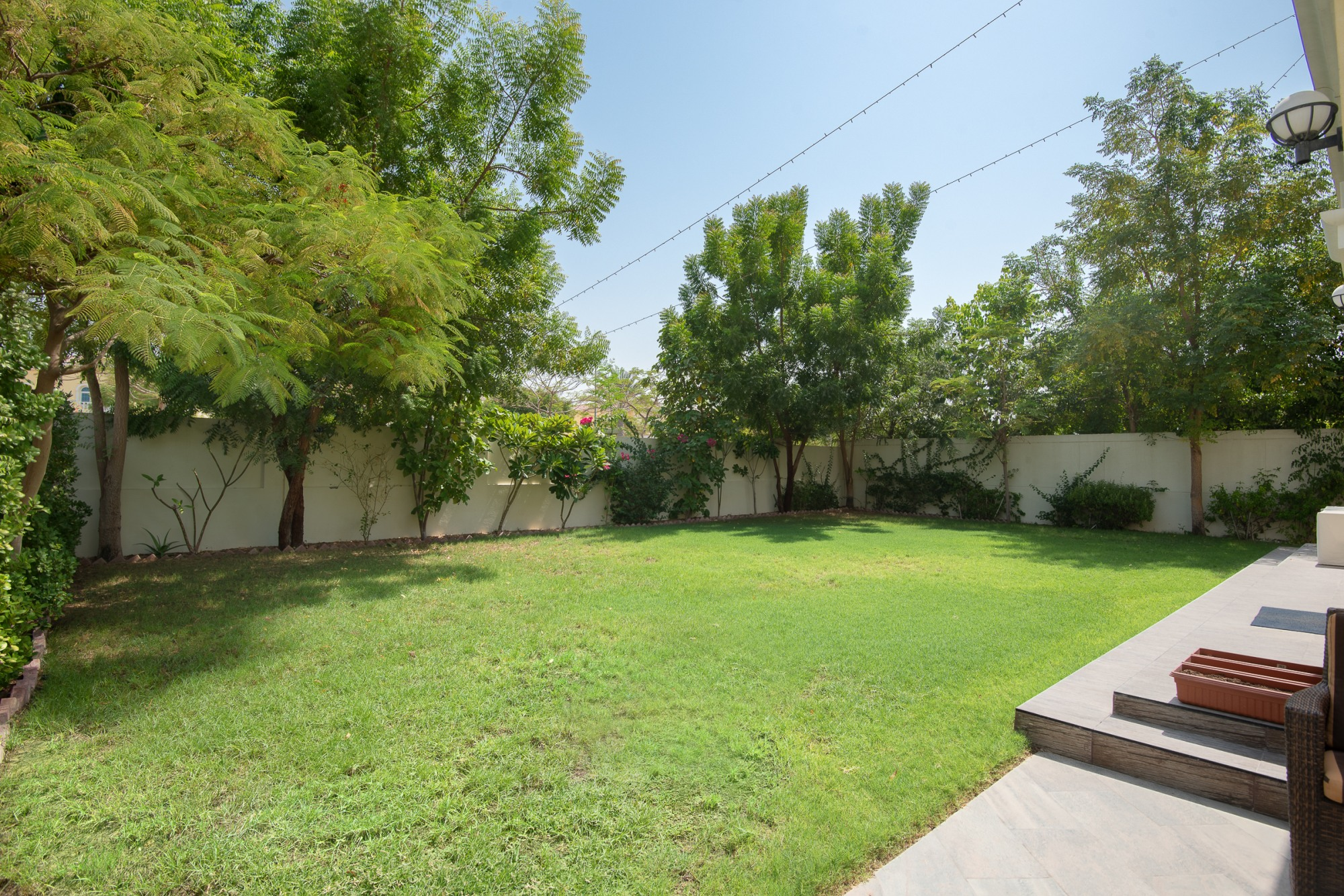 Exclusive Upgraded Large 3 Bed Villa District 6