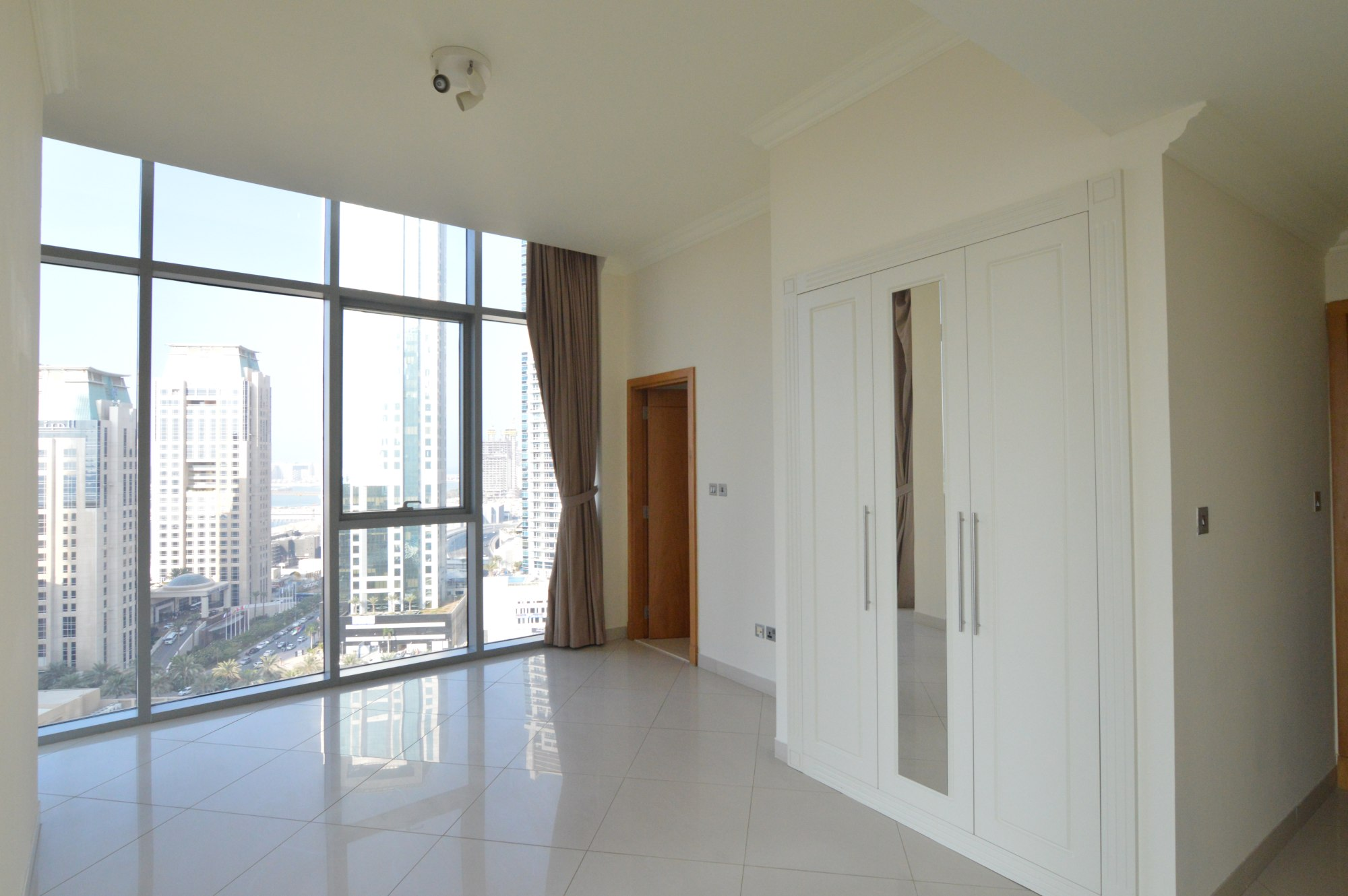 Sea view / 2 BR Apartment / Well-maintained