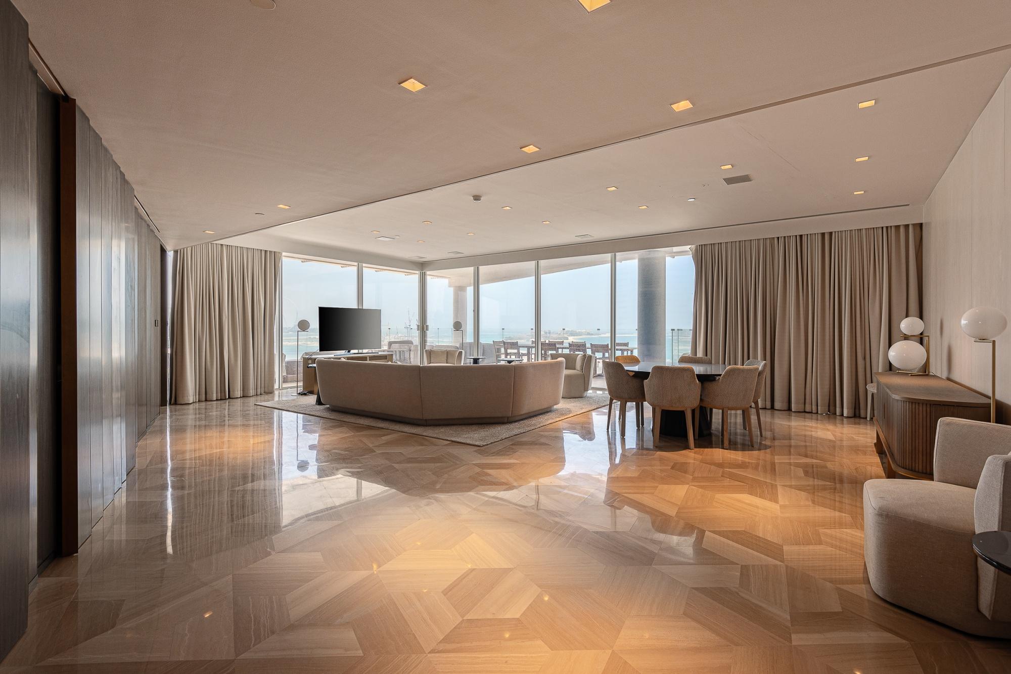 Stunning 3 bed + Maids Penthouse | FIVE | PJ