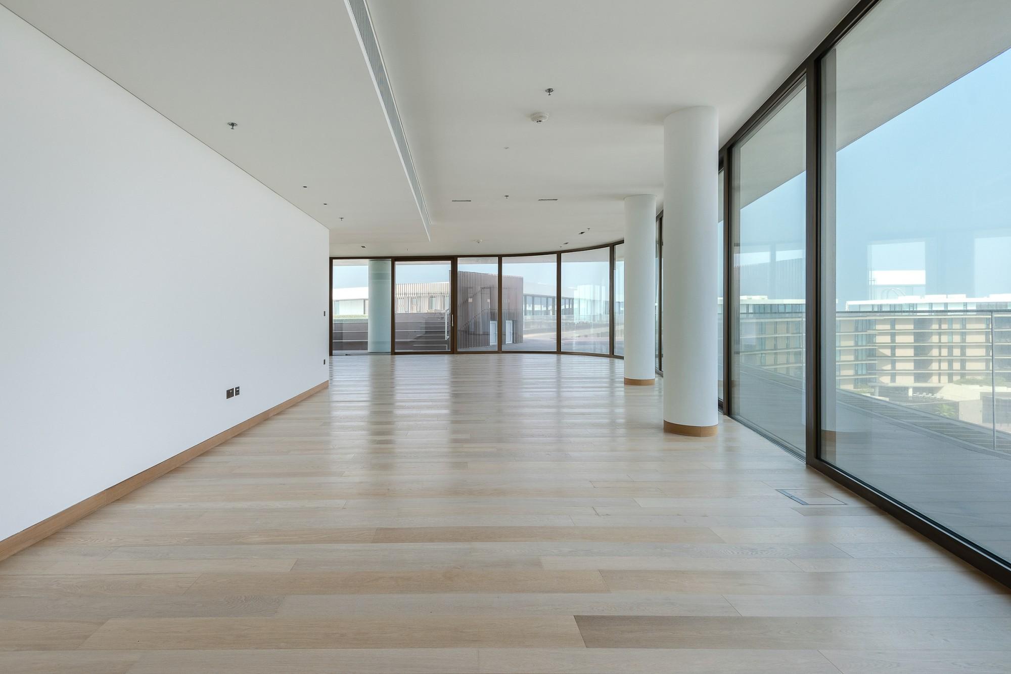 Elegant|Full Floor|Luxurious Penthouse