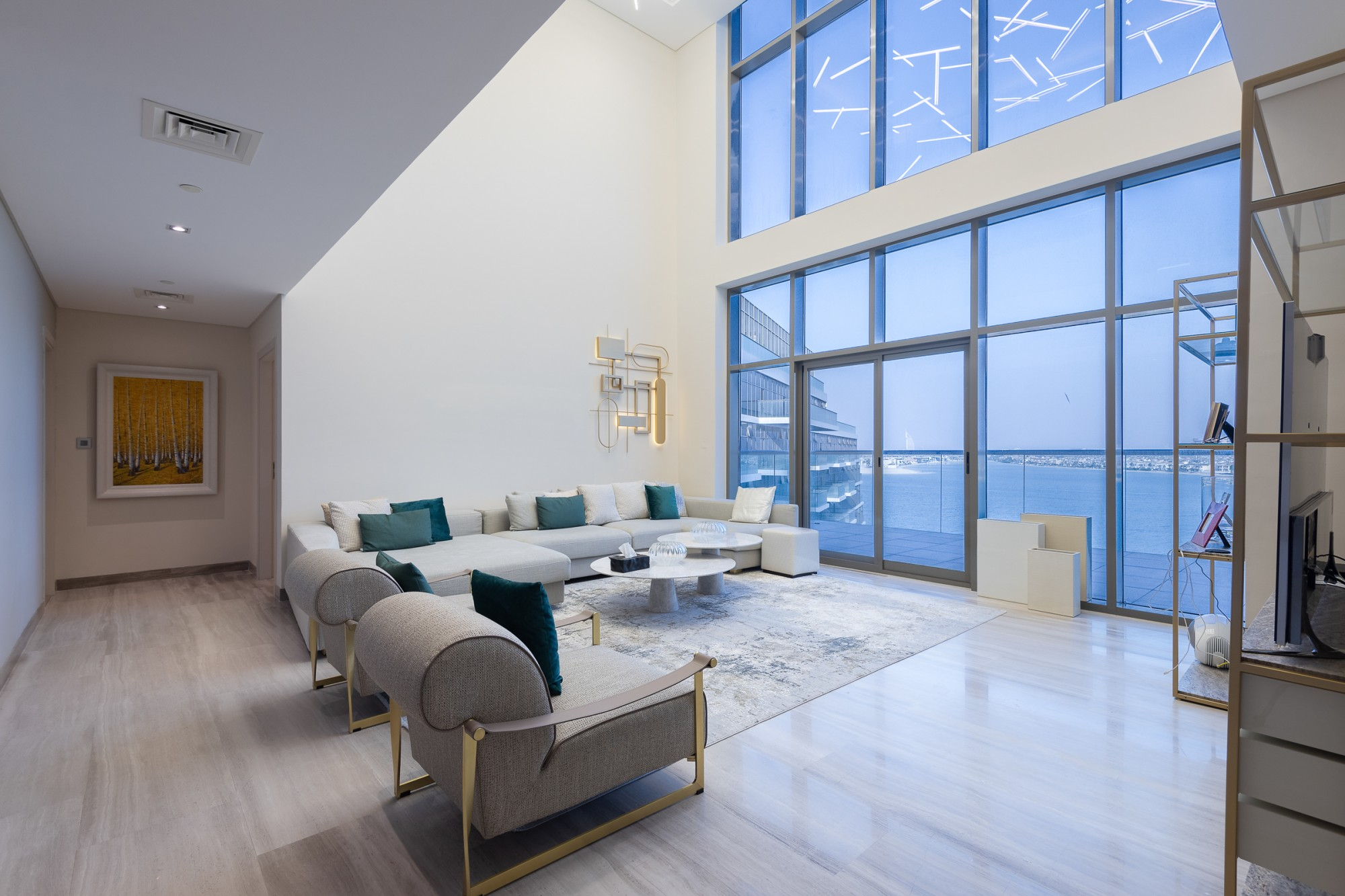 Exclusive 4 Bedrooms Penthouse in The 8